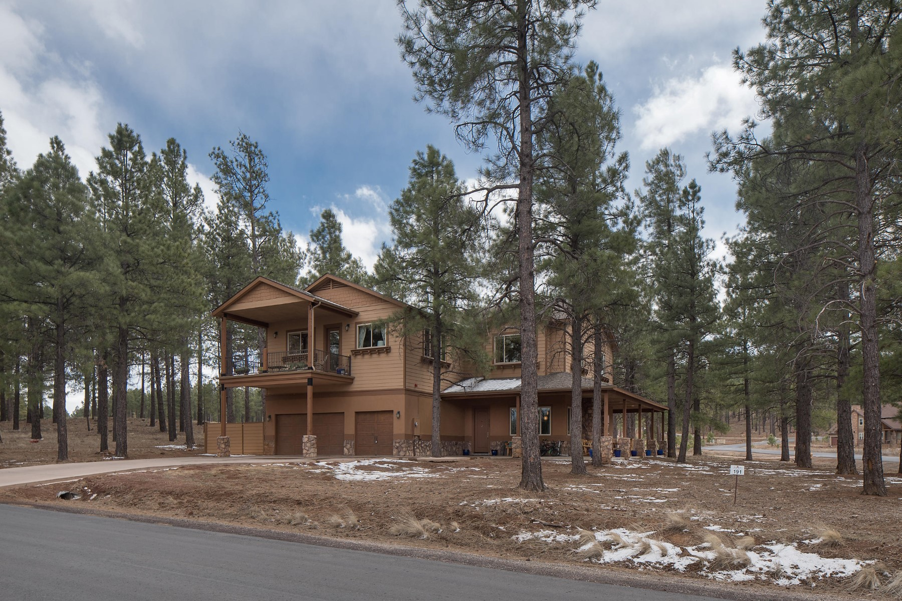 sales property at Multi Generational Golf retreat in the gated community of Flagstaff Ranch