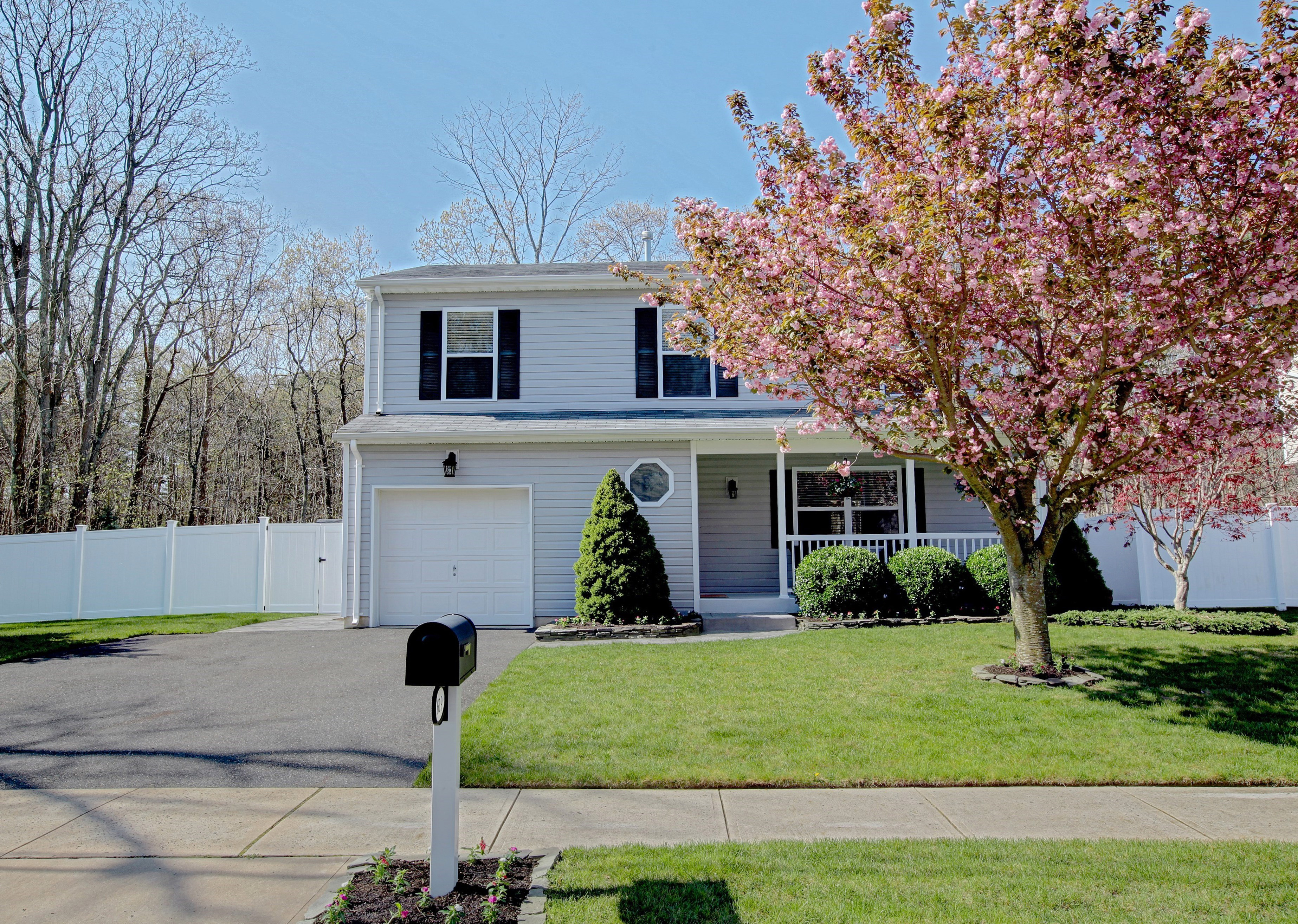 Single Family Home for Sale at 619 Ivanhoe Rd. Brick, New Jersey, 08723 United States