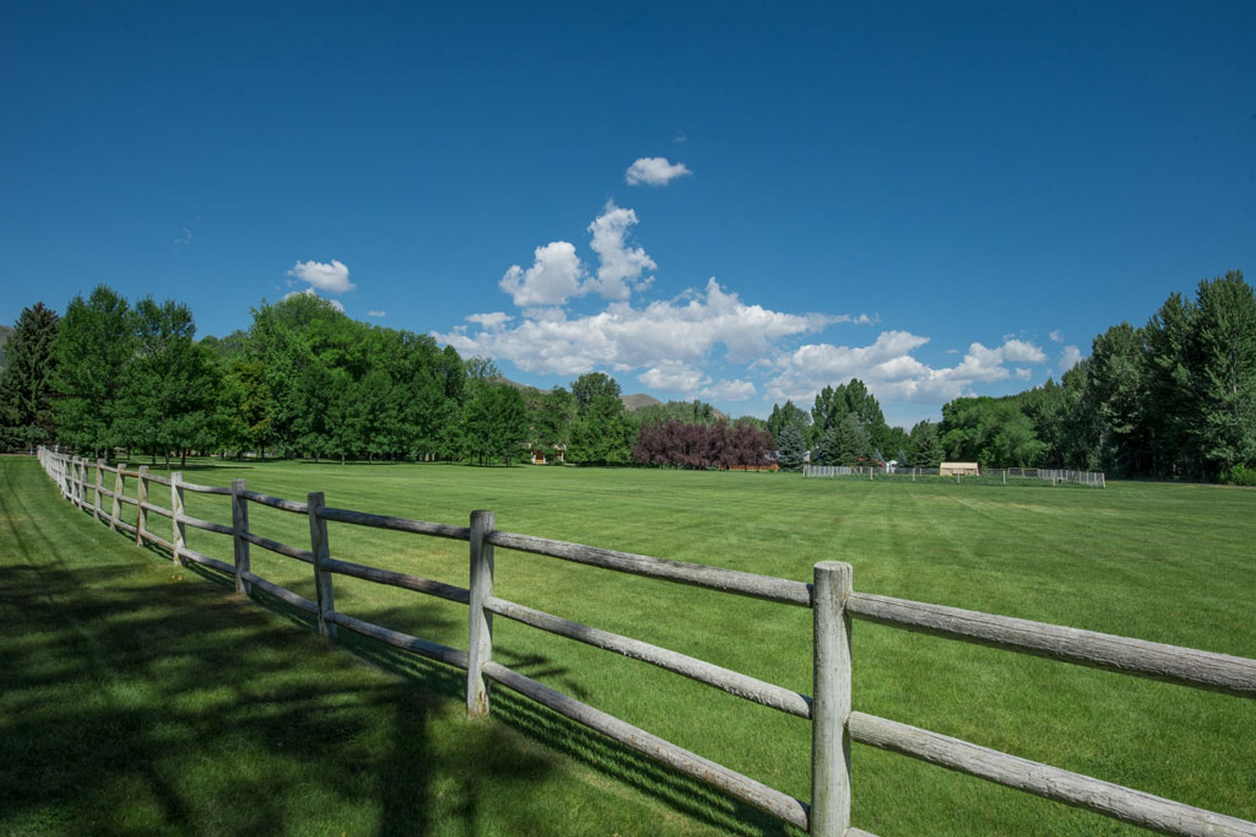 Additional photo for property listing at Rockwell Mansion in Sun Valley, Idaho  贝尔维尤, 爱达荷州 83313 美国