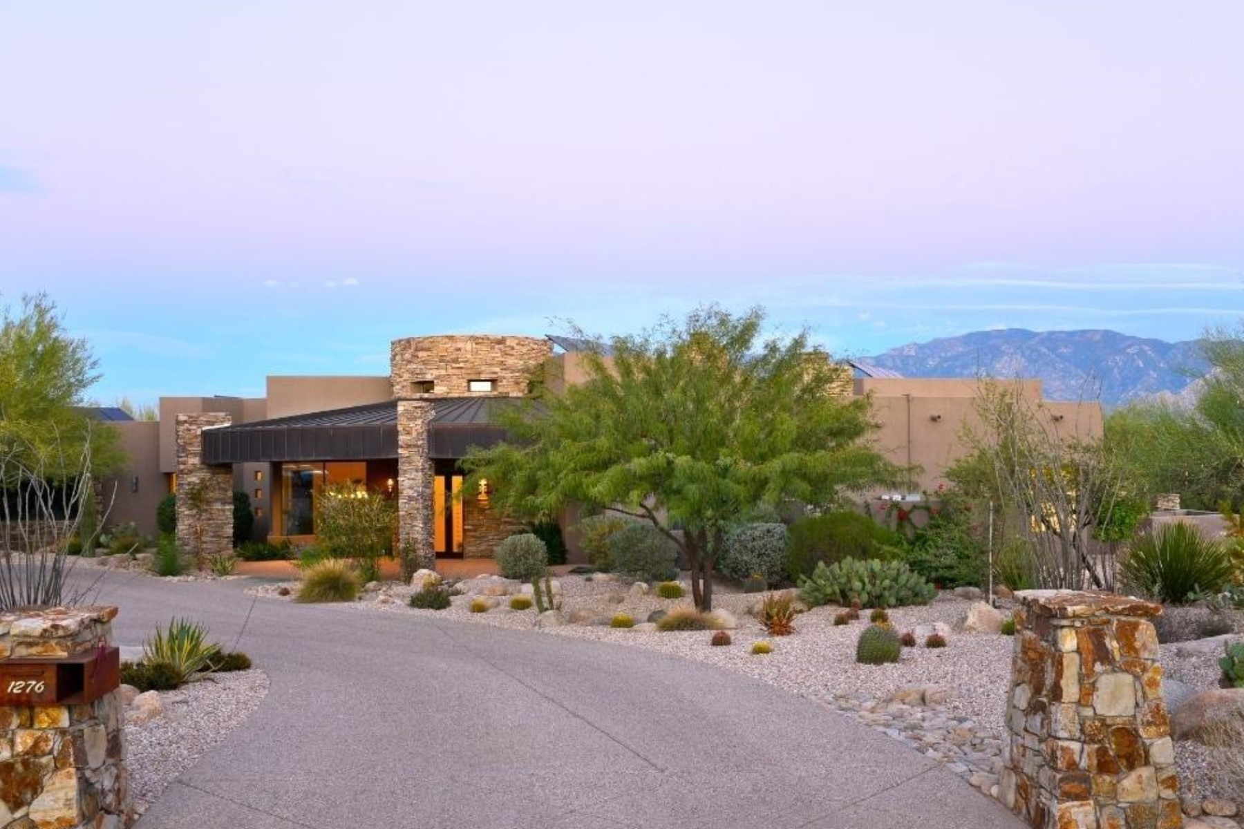Single Family Home for Sale at Located On Extremely Private 1.15 Acre Cul-de-Sac Golf Lot In Stone Canyon 1276 W High Plain Place Oro Valley, Arizona 85755 United States