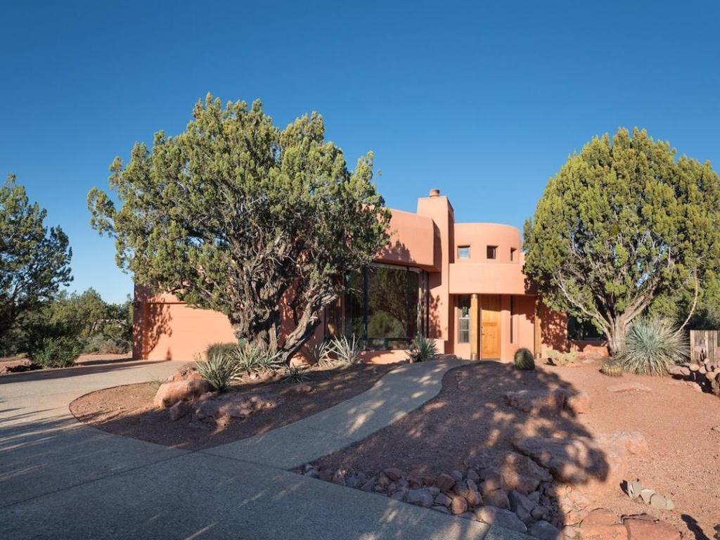 Einfamilienhaus für Verkauf beim Sedona Living at its Finest 200 Calle Del Norte Sedona, Arizona 86336 Vereinigte Staaten