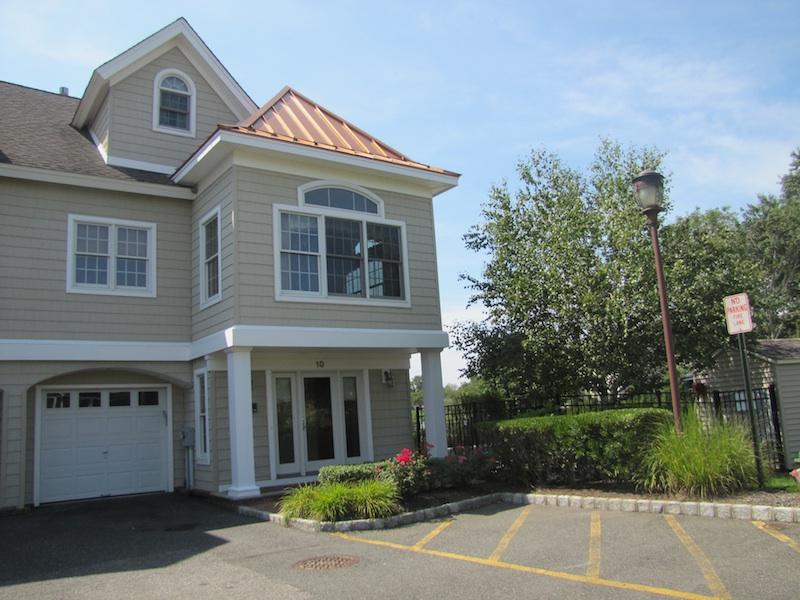 Condomínio para Venda às Drawbridge West 10 Waters Edge Brielle, Nova Jersey 08730 Estados Unidos