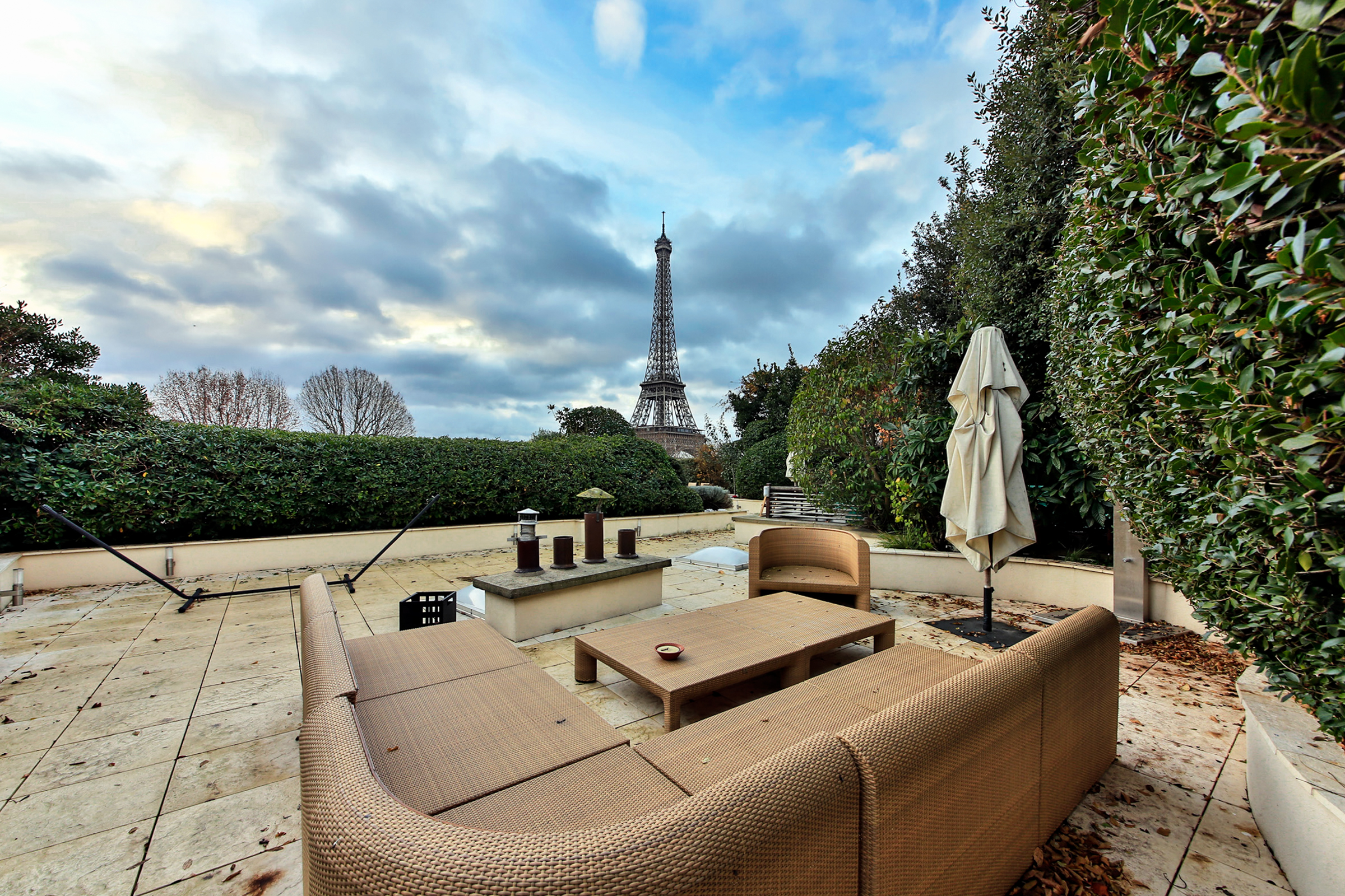 Appartamento per Vendita alle ore Penthouse - Eiffel Tower View Paris, Parigi 75116 Francia