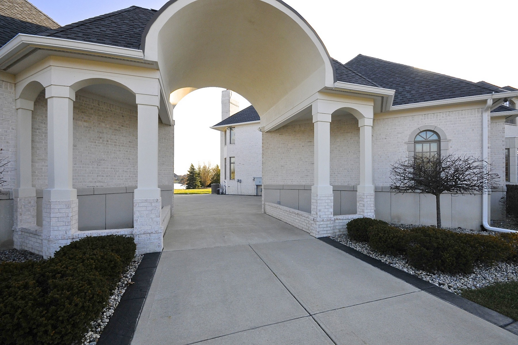 Single Family Home for Sale at Extraordinary Home in Desirable Bridlebourne 11121 Hintocks Circle Carmel, Indiana 46032 United States