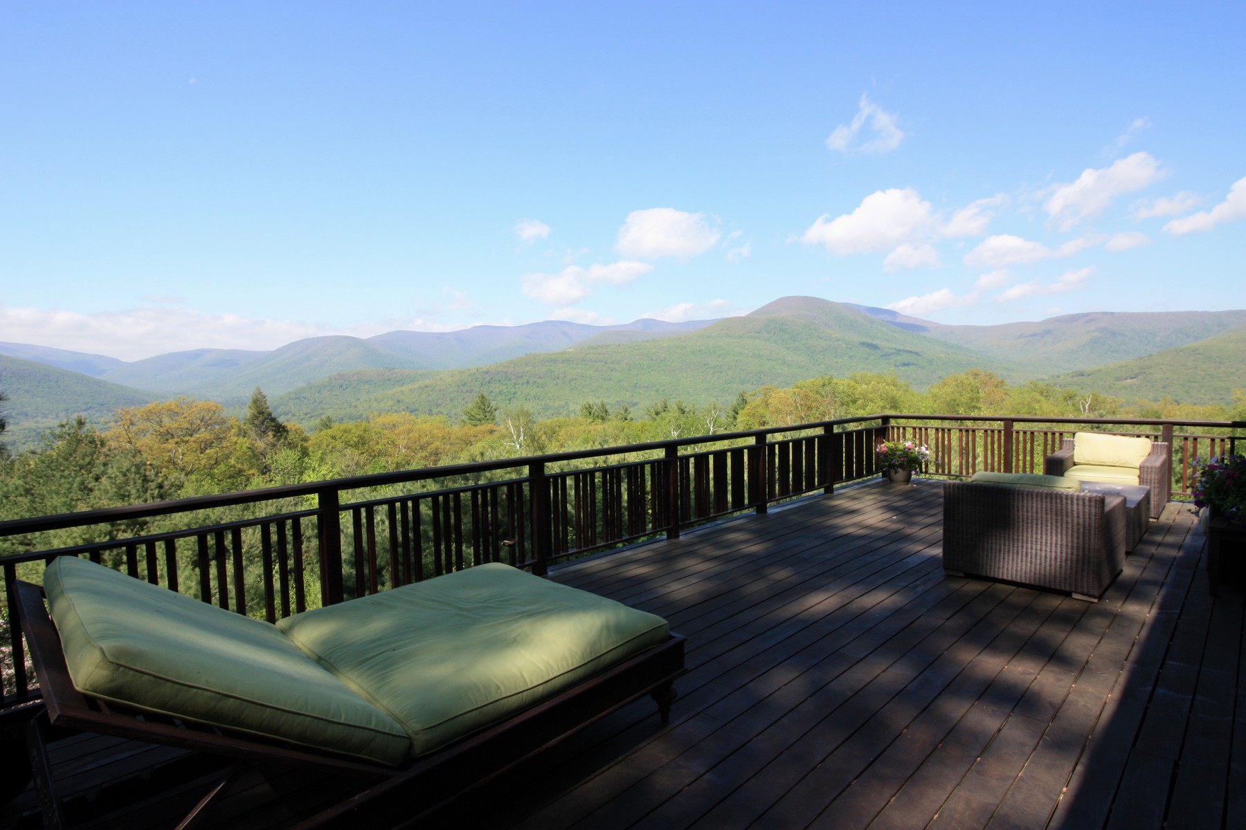 Property For Sale at Glorious Mountain Views