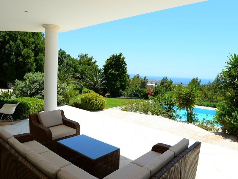 Property Of Villa in Lagonissi