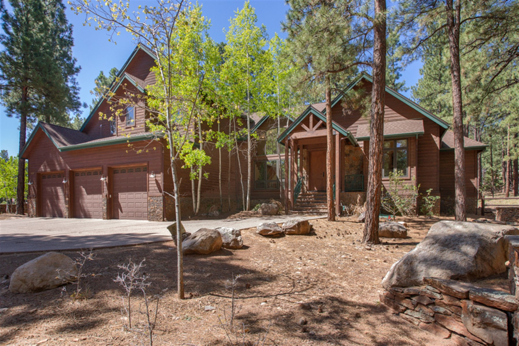 Single Family Home for Sale at Amazing property set in the prestigious neighborhood of Kinlani Estates. 1655 N Kittredge RD Flagstaff, Arizona 86001 United States