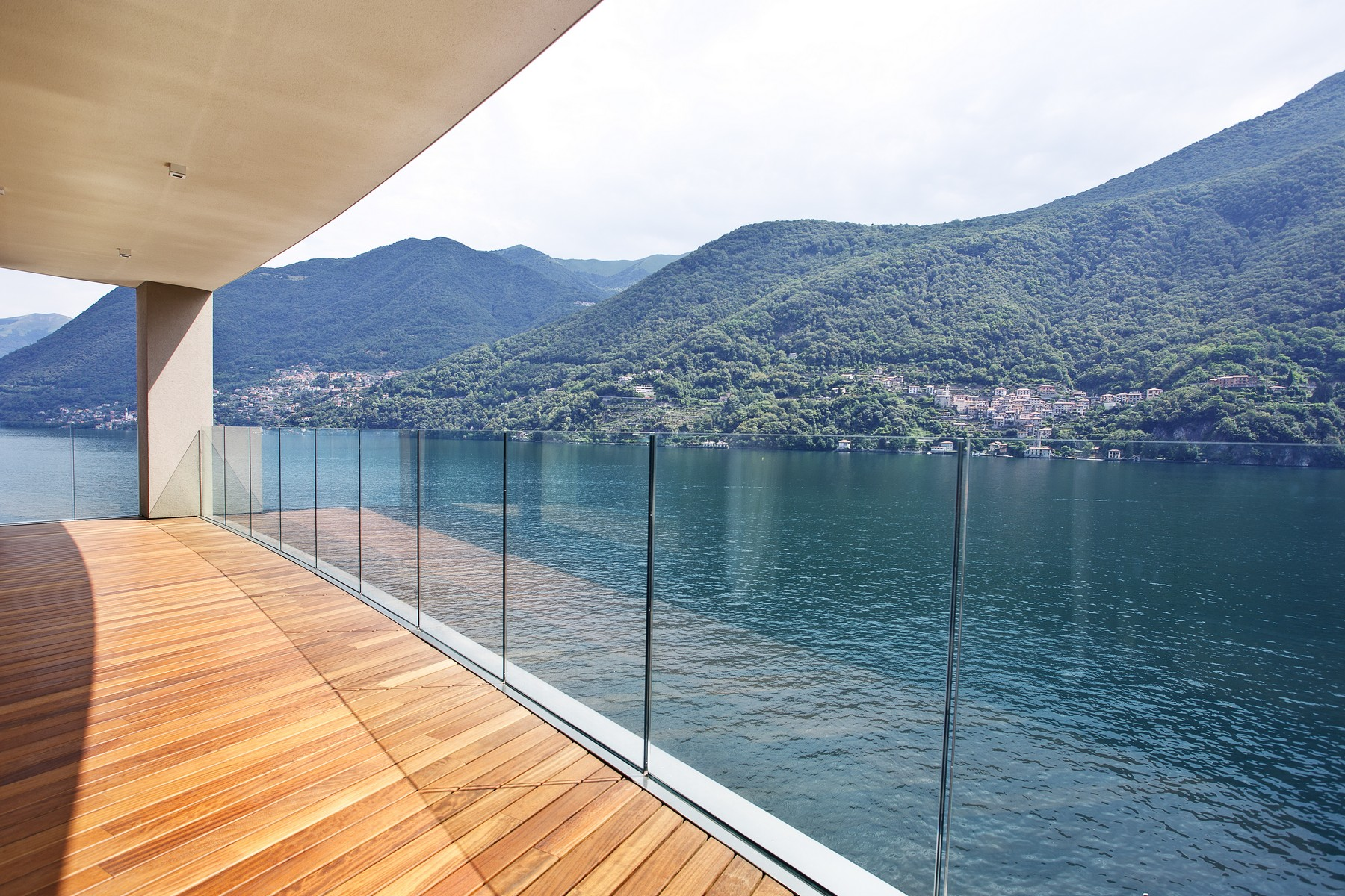 Apartment for Sale at Wonderful apartment in new building on Lake Como Via Nuova Regina Laglio, 22010 Italy