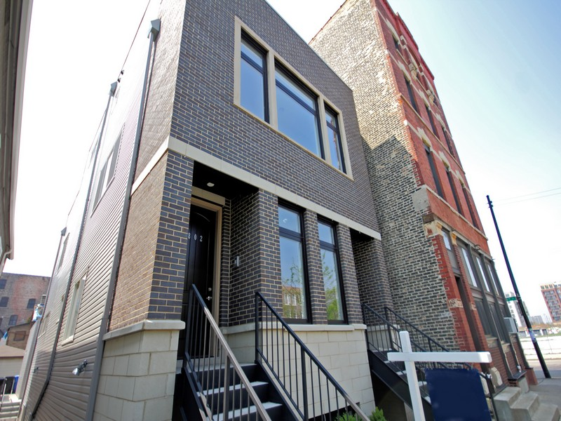 Condominium for Sale at Pilsen Art-District New Construction 1006 W Cullerton Street Unit 2 Pilsen (Lower West Side), Chicago, Illinois 60608 United States