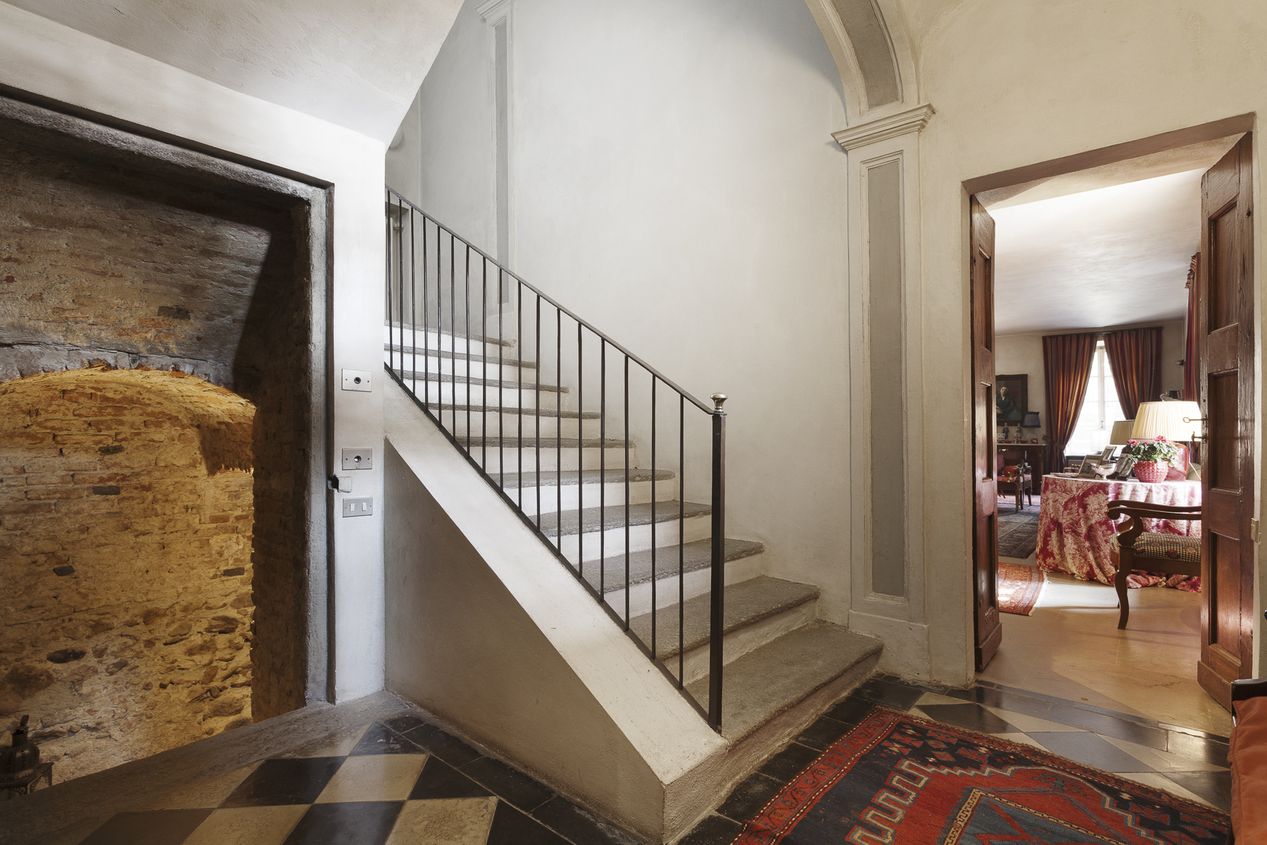 Additional photo for property listing at A fascinating XVII century Villa in Revigliasco Hill Strada Moncalieri Other Turin, Turin 10024 Italy