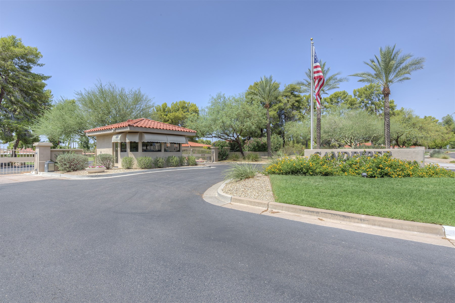 타운하우스 용 매매 에 Guard-gated Sandpiper in McCormick Ranch. 7731 E Bowie RD Scottsdale, 아리조나 85258 미국