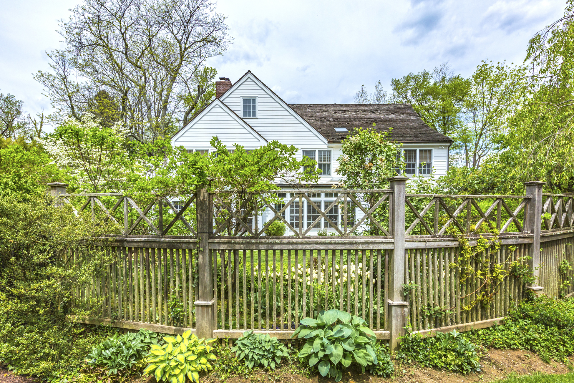 Additional photo for property listing at Western Section Beauty Encircled by Lovely Gardens 1 Campbelton Circle Princeton, New Jersey 08540 États-Unis