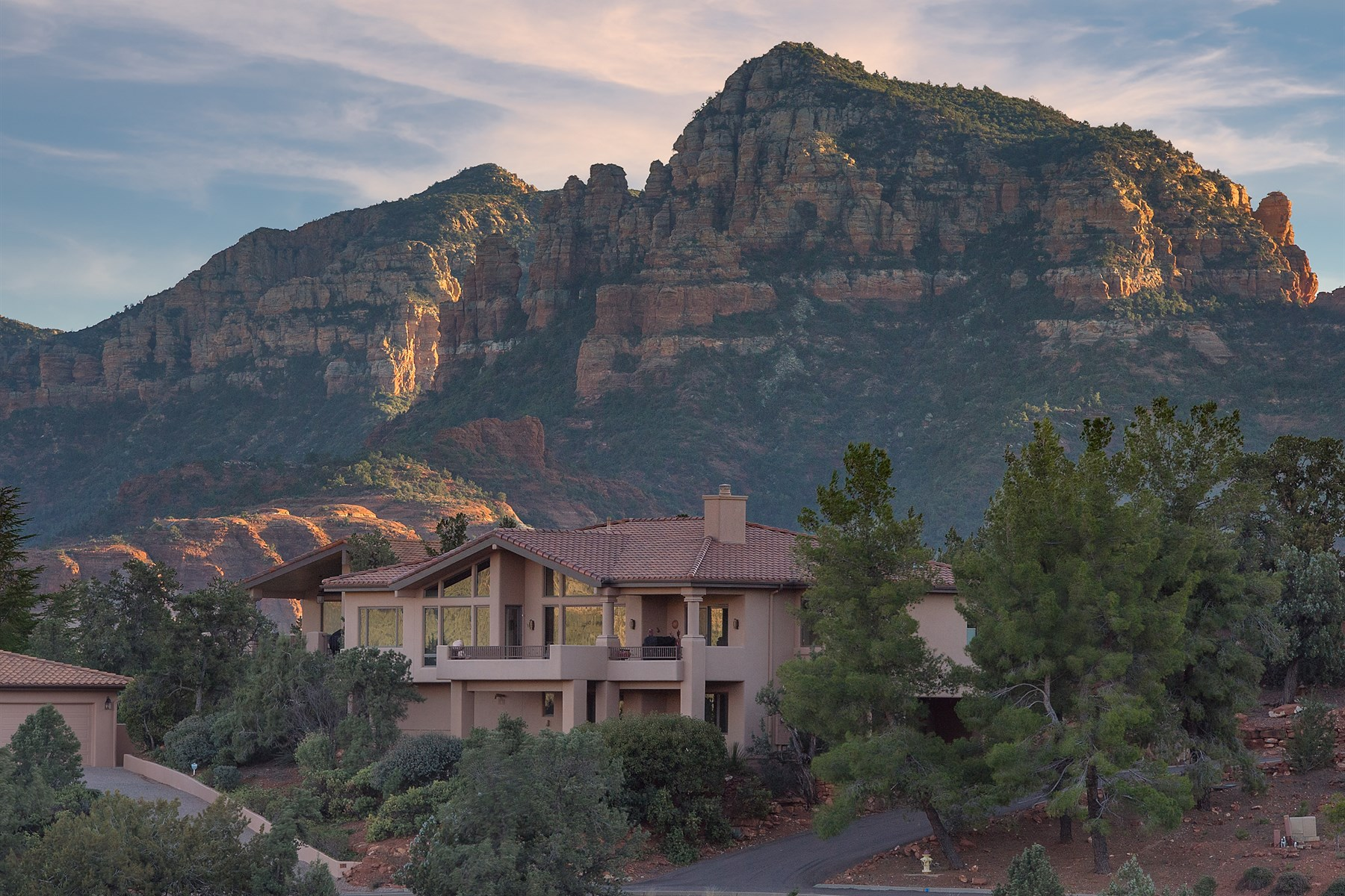 sales property at Gated Sedona neighborhood with spectacular panoramic views
