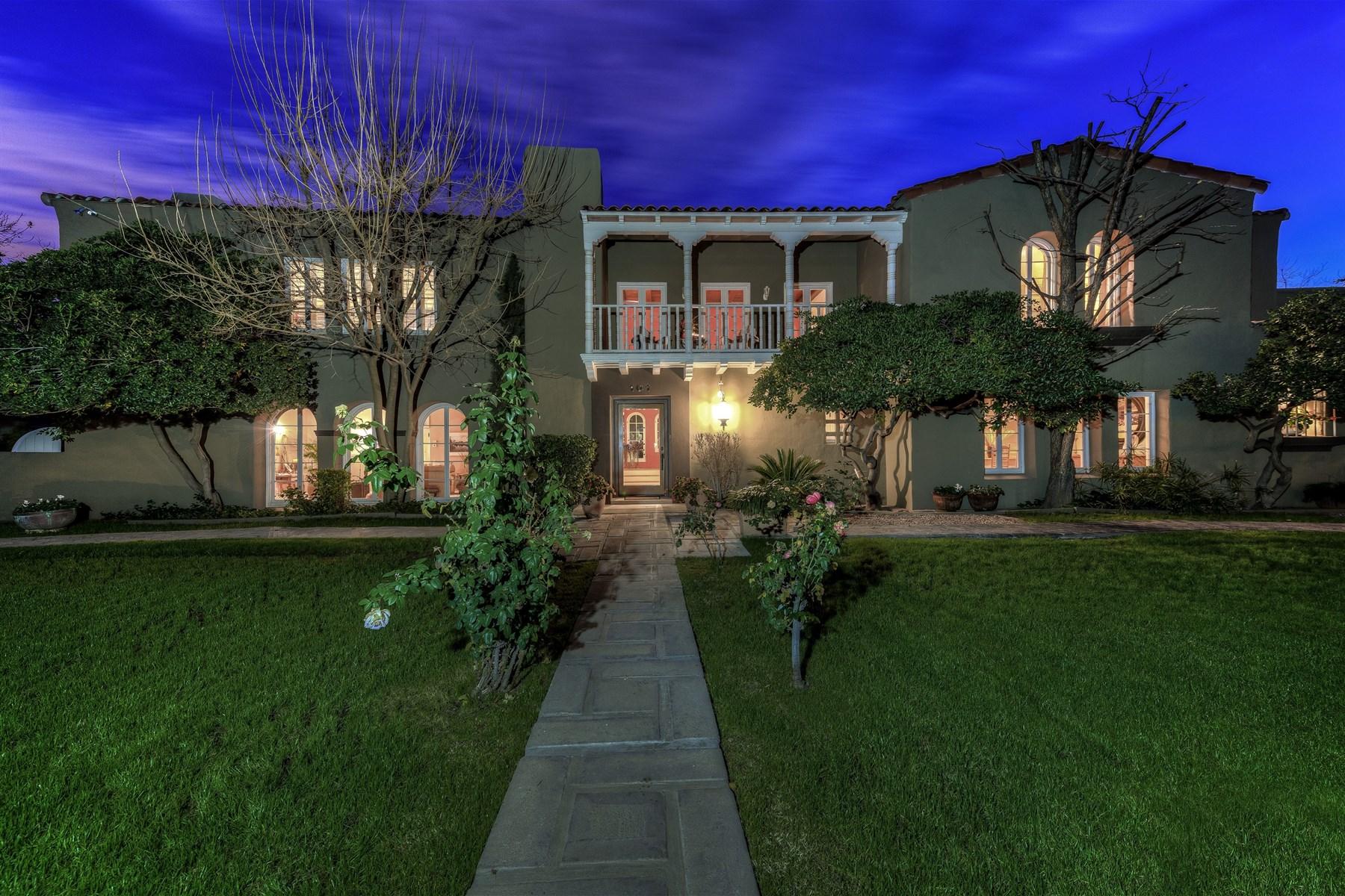 Casa Unifamiliar por un Venta en Incredible 1935 adobe home with classic Monterey architecture 101 E Country Club Dr Phoenix, Arizona 85014 Estados Unidos