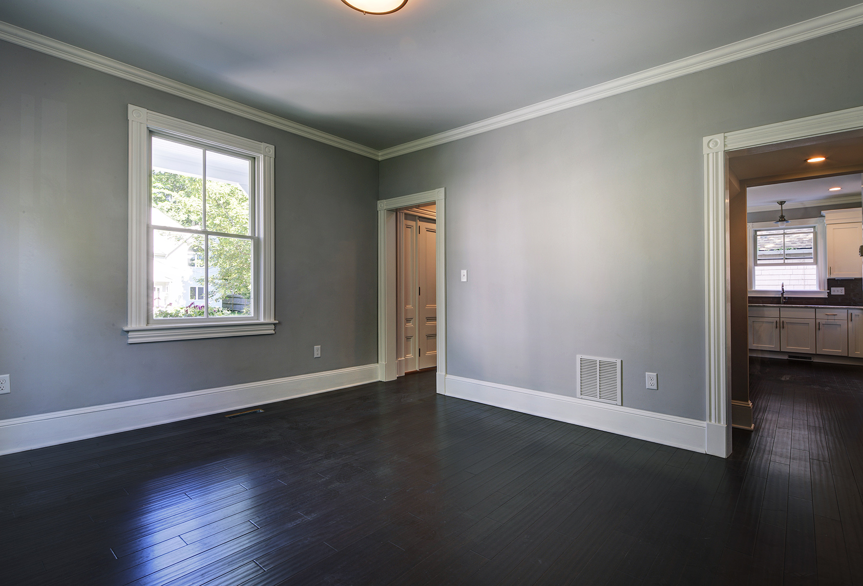 Additional photo for property listing at The John E. Dowling House 13 Chapel Street Newport, Rhode Island 02840 Estados Unidos