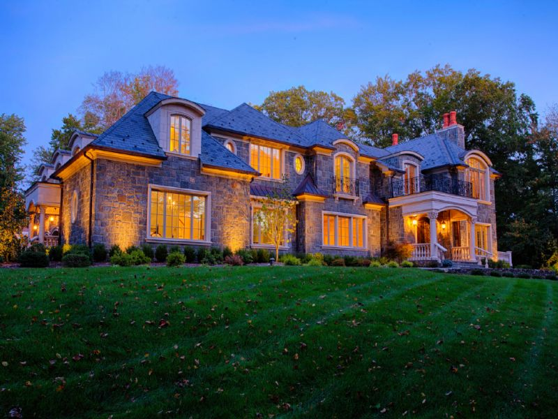 Maison unifamiliale pour l Vente à Office Exclusive 2 Beechwood Drive Saddle River, New Jersey 07458 États-Unis