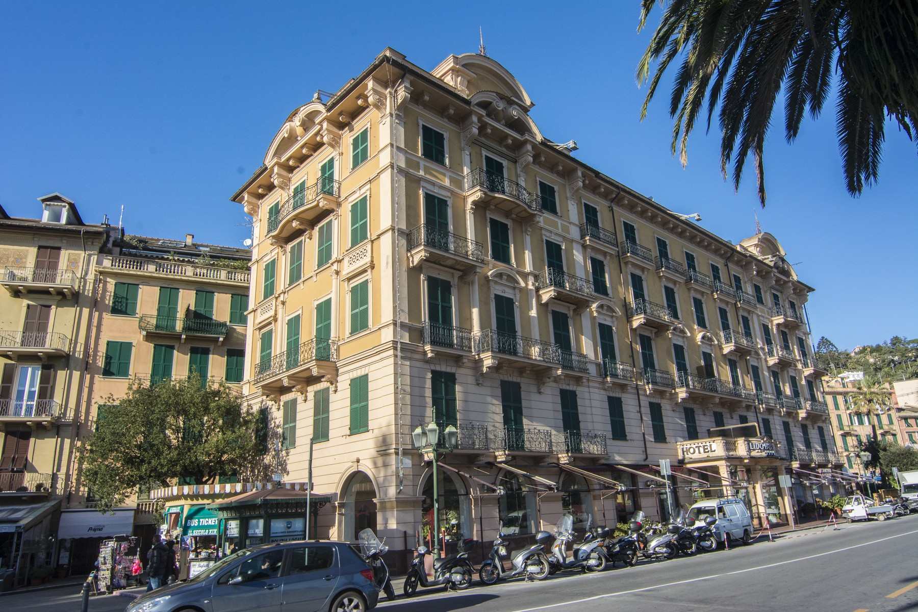 "Additional photo for property listing at Apartment nearby Portofino ""piazzetta"" Via Roma Portofino, Genoa 16034 Italien"
