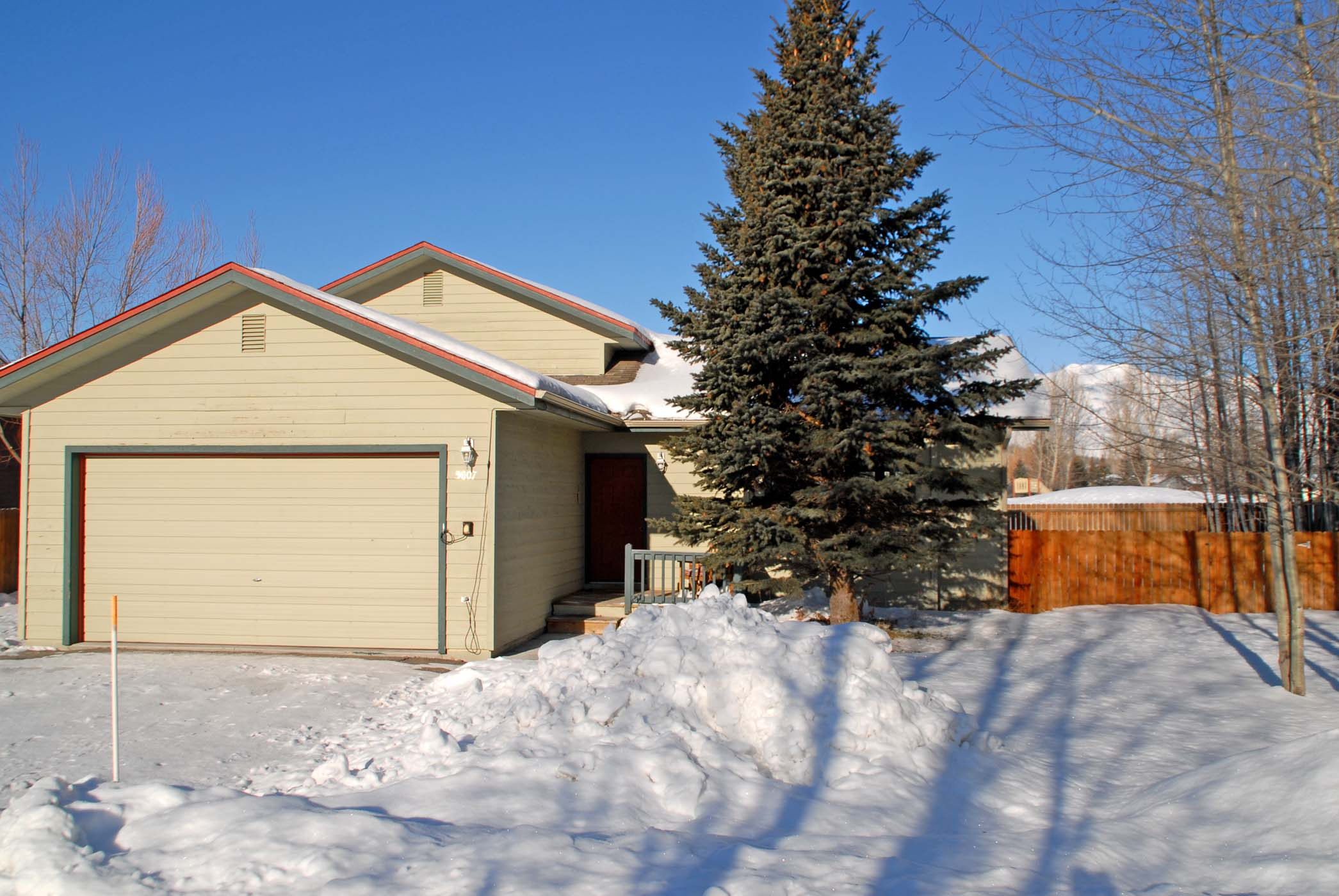 sales property at Spacious Cottonwood Park home