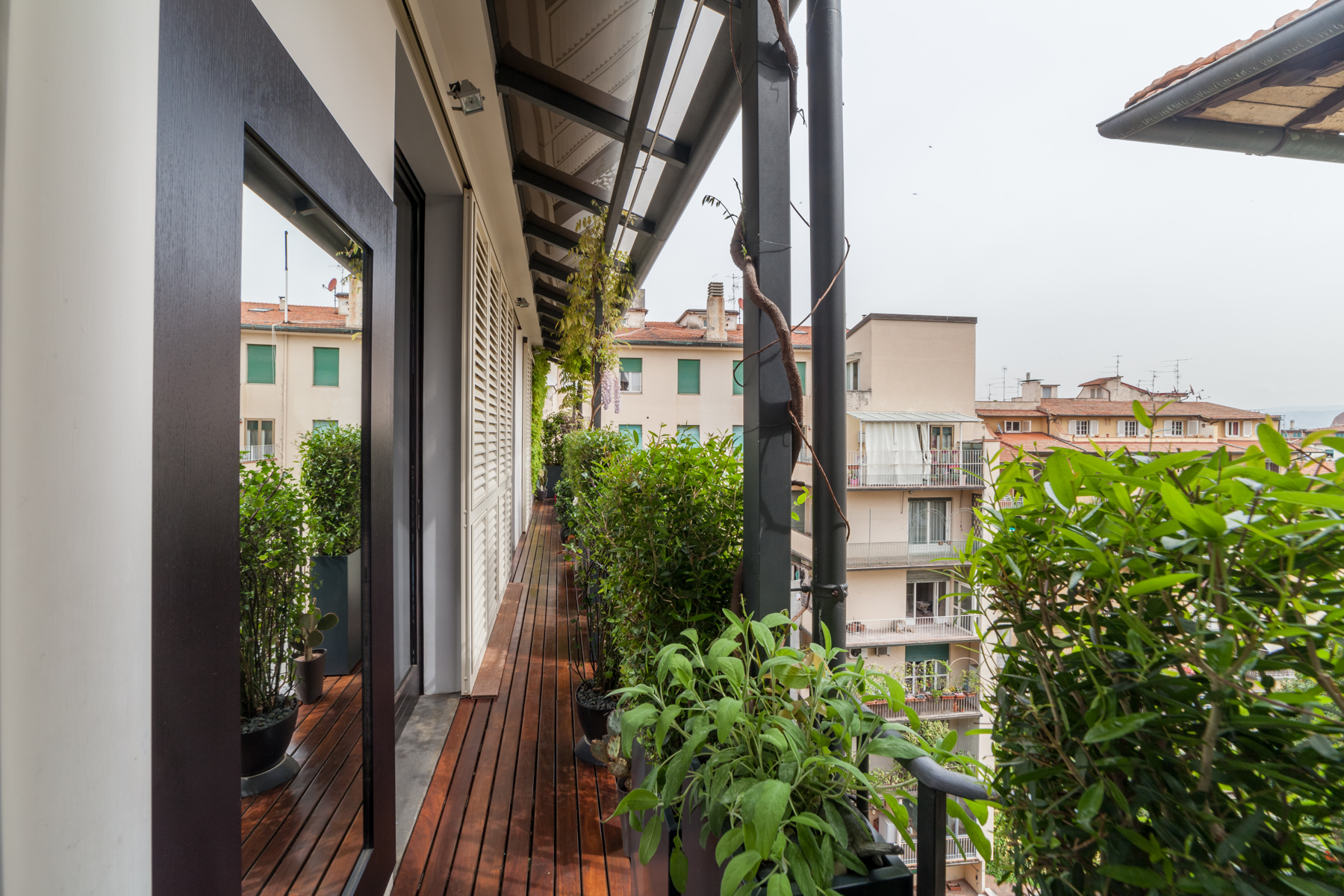 Additional photo for property listing at Lovely penthouse with views over Florence Firenze, Florence Italie