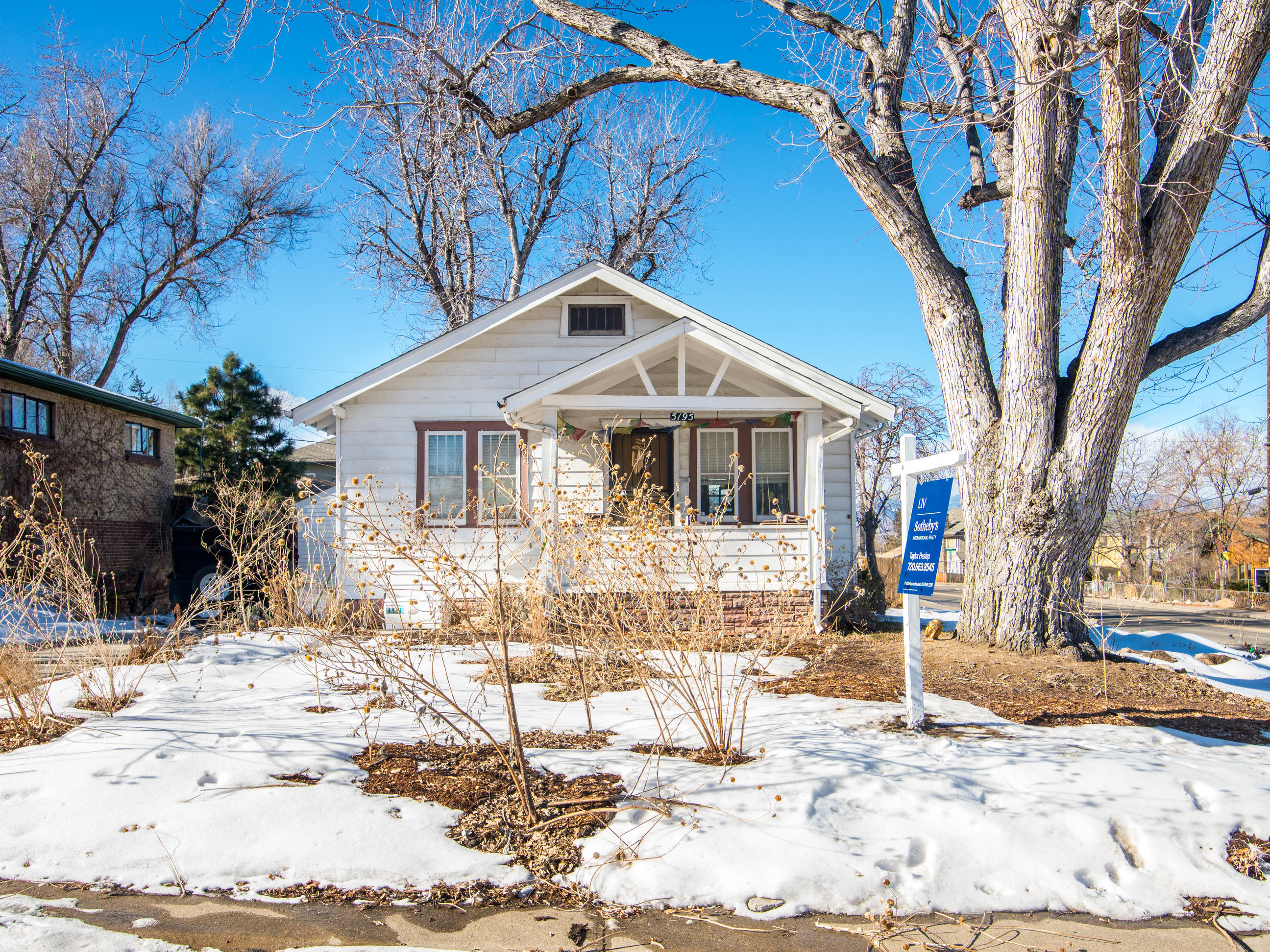 Single Family Home for Sale at Adorable bungalow in the charming Regis neighborhood 5195 Raleigh Street Regis, Denver, Colorado 80212 United States