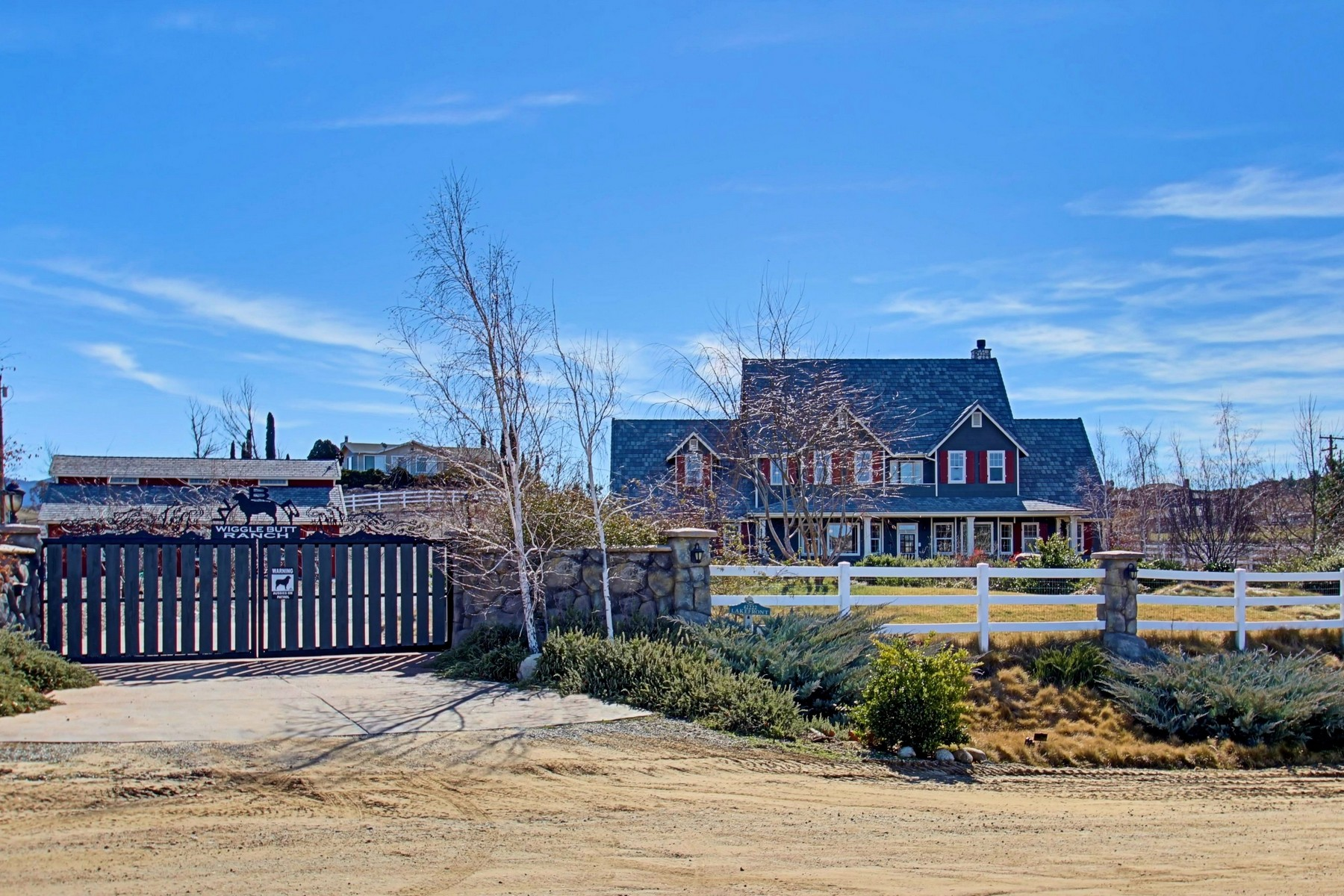 农场 / 牧场 / 种植园 为 销售 在 42222 Lakefront Drive Aguanga, 加利福尼亚州, 92536 美国