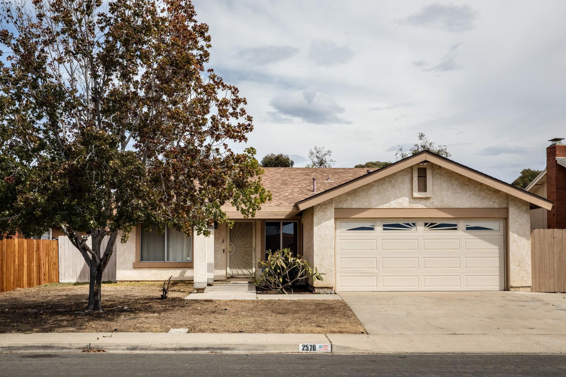 独户住宅 为 销售 在 2570 Biola Avenue 圣地亚哥, 加利福尼亚州, 92154 美国