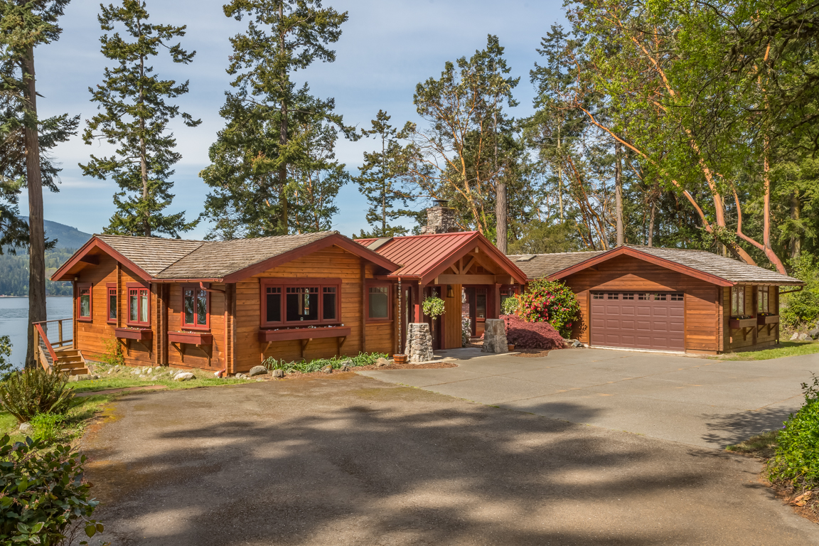 Single Family Home for Sale at Bay Road Beauty 1485 E Sequim Bay Rd Sequim, Washington 98382 United States