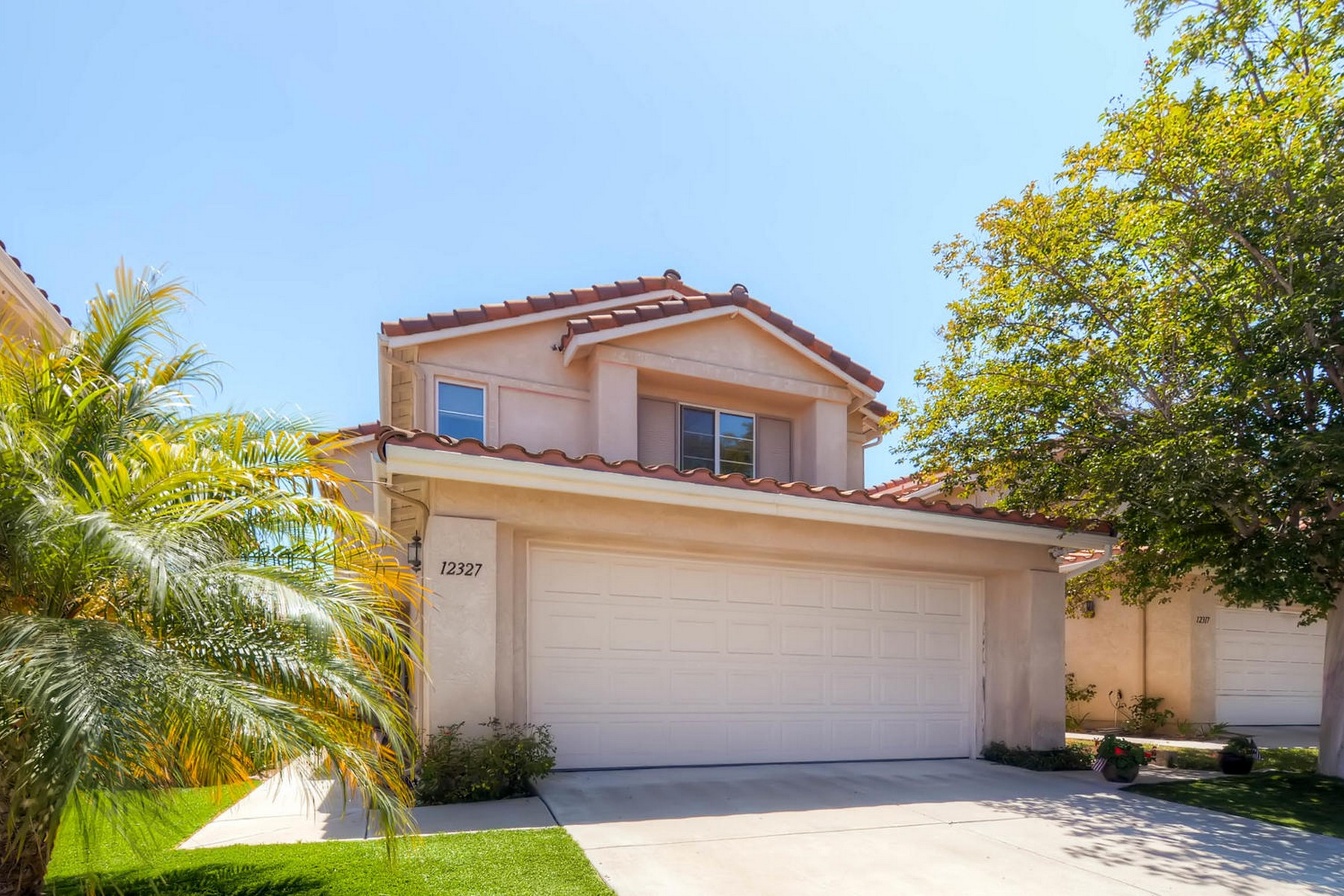 Maison unifamiliale pour l Vente à 12327 Caminito Peral San Diego, Californie, 92131 États-Unis