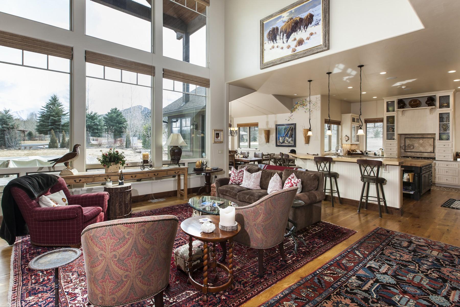 Maison unifamiliale pour l Vente à Lovely Open Floor Plan 93 Saddleback Carbondale, Colorado 81623 États-Unis