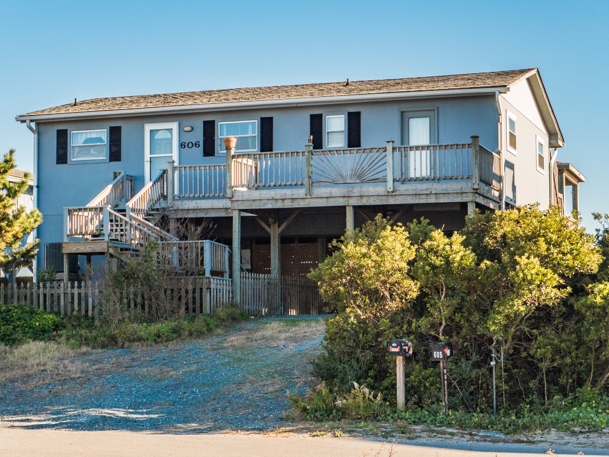 Single Family Home for Sale at Classic Topsail Beach Cottage 606 N Shore Drive Surf City, North Carolina, 28445 United States