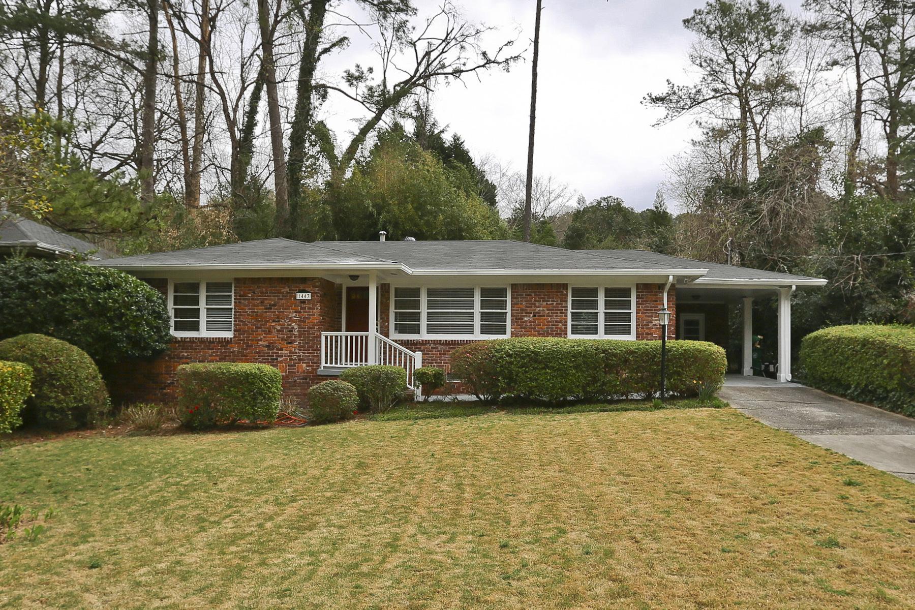 独户住宅 为 销售 在 Four Sided Brick Ranch 1443 Brook Valley Lane NE 亚特兰大, 乔治亚州, 30324 美国