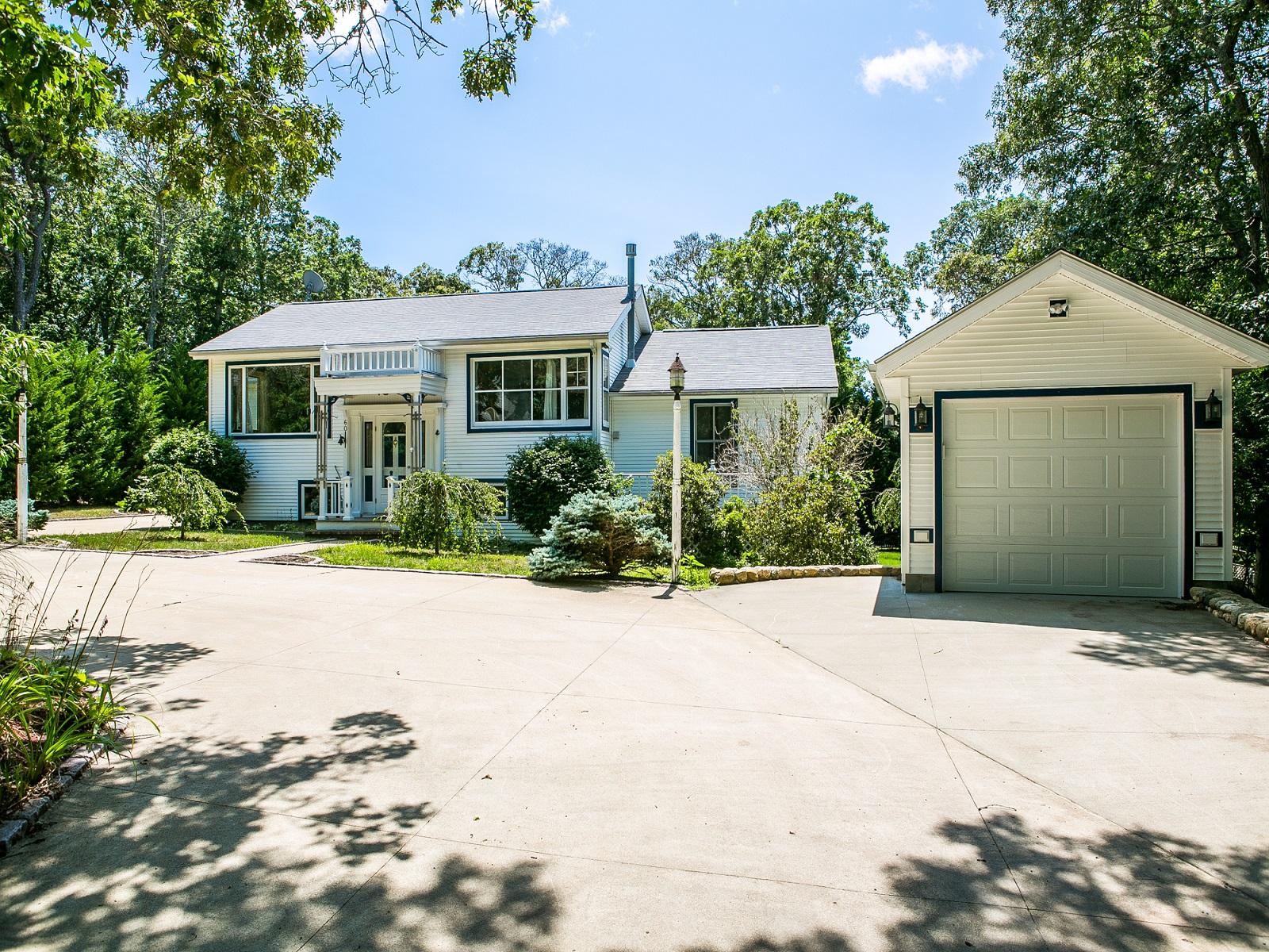 단독 가정 주택 용 매매 에 A quiet corner of Oak Bluffs 60 Prospect Avenue Oak Bluffs, 매사추세츠 02557 미국