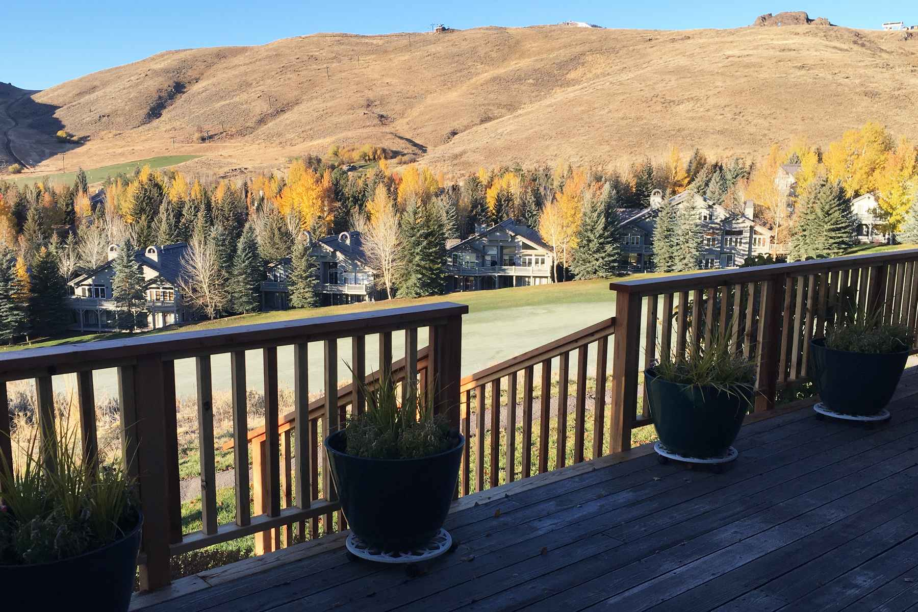Additional photo for property listing at Elevated Golf Course Home 96 Elkhorn Road Sun Valley, Idaho 83353 United States