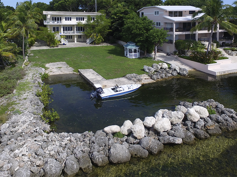 Maison unifamiliale pour l Vente à Breathtaking Bay Views 104 Point Pleasant Drive Key Largo, Florida, 33037 États-Unis
