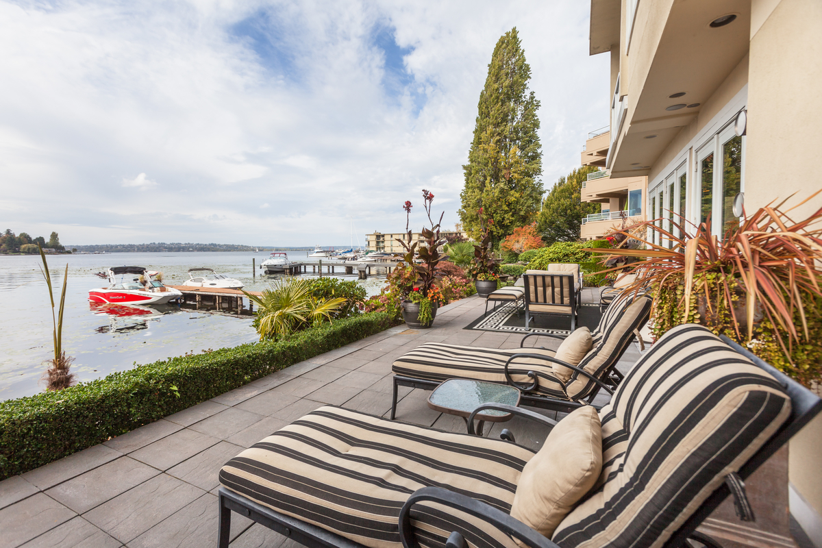 Condominium for Sale at Stavros Al Lago 4507 Lake Washington Blvd NE Kirkland, Washington 98033 United States