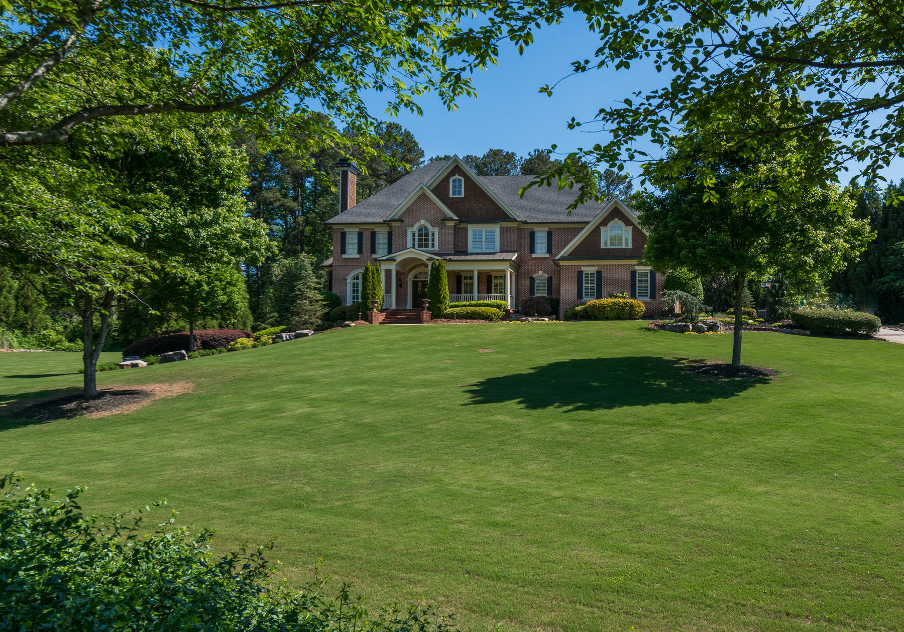Single Family Home for Sale at Exquisite Roswell Estate 580 Stonemoor Circle Roswell, Georgia, 30075 United States