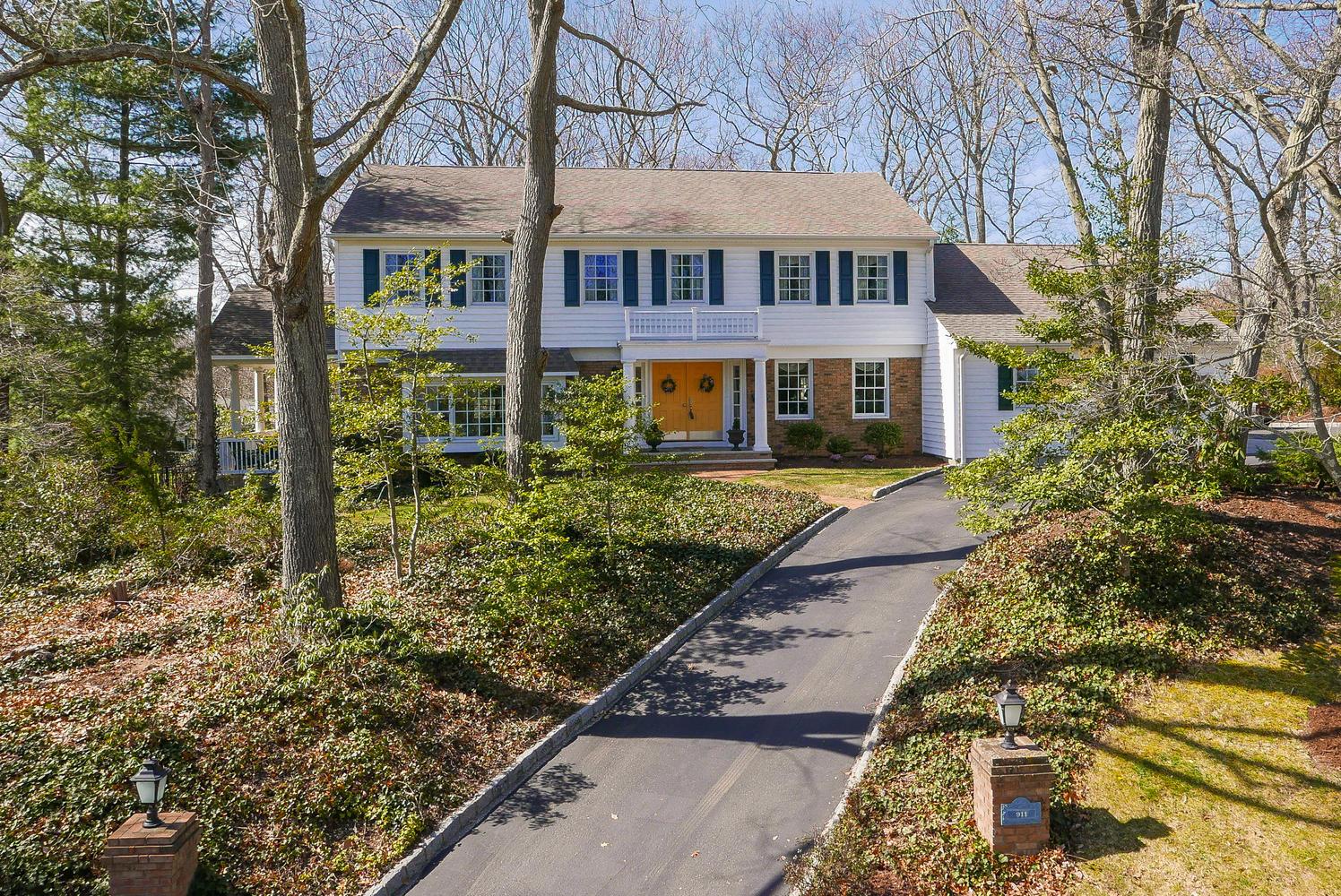 Частный односемейный дом для того Продажа на Beautiful Home in Brielle! 911 Teaberry Lane Brielle, Нью-Джерси, 08730 Соединенные Штаты