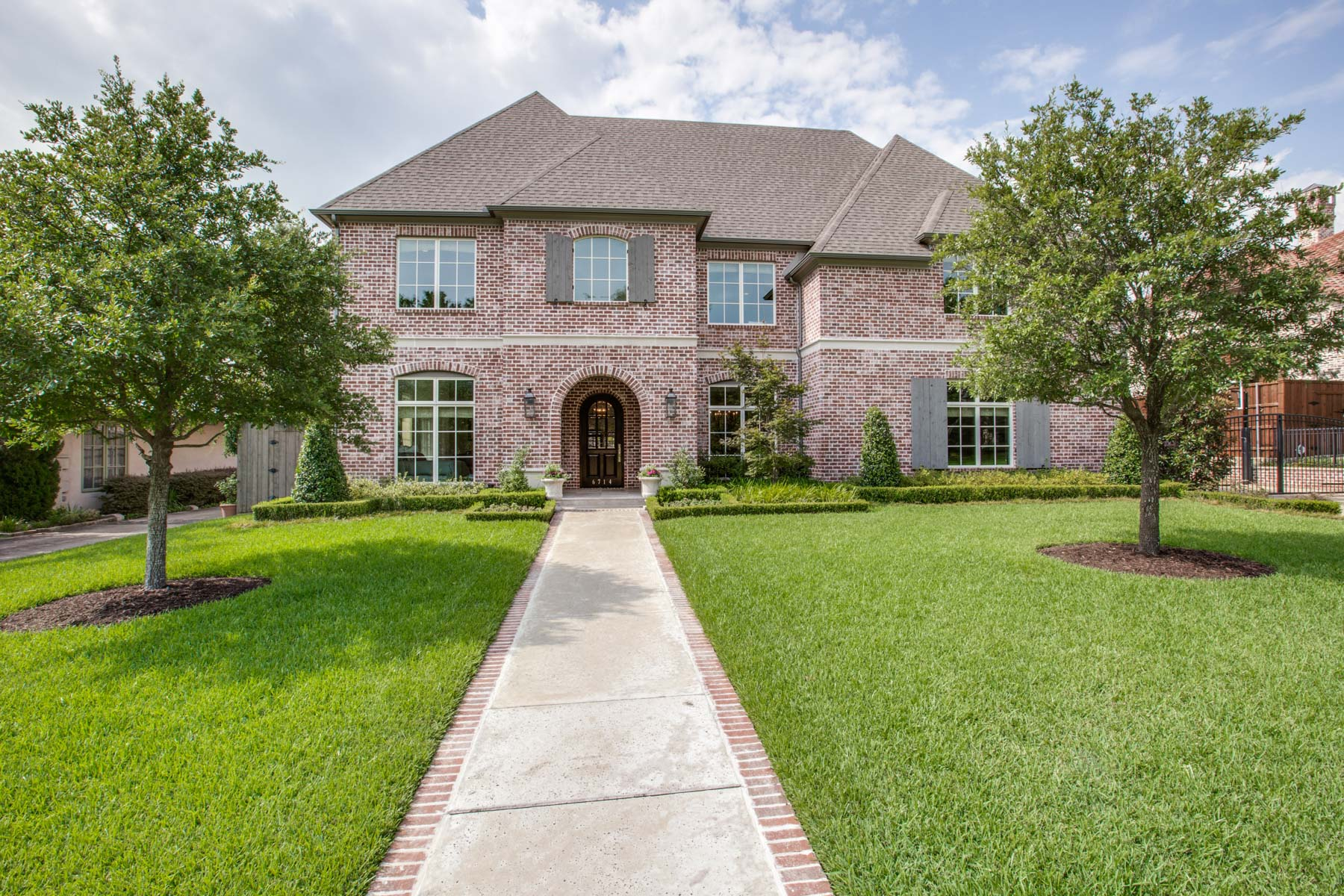 独户住宅 为 销售 在 Preston Hollow Transitional 6714 Northport Drive 达拉斯, 得克萨斯州, 75230 美国