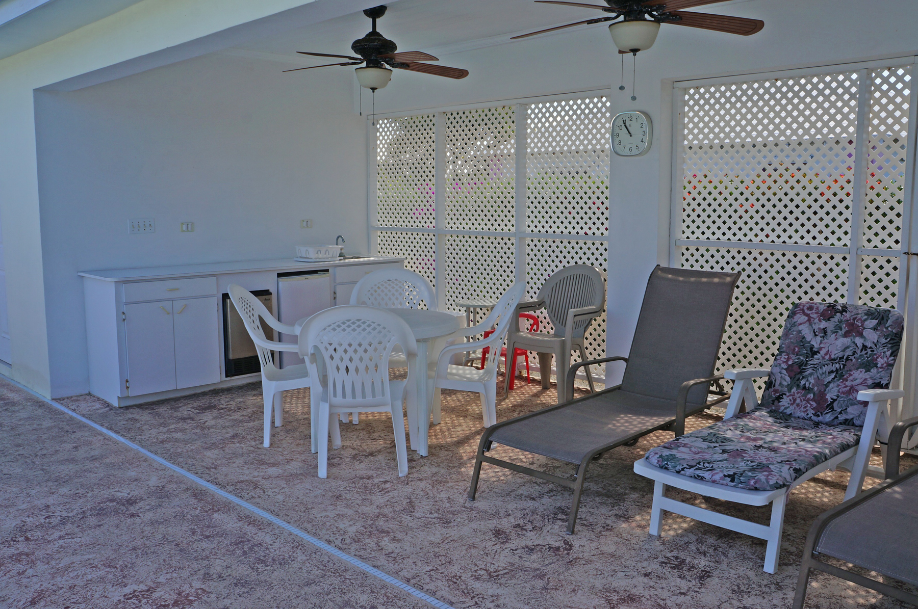 Additional photo for property listing at Bougainvillea Spanish Wells, Eleuthera Bahamas