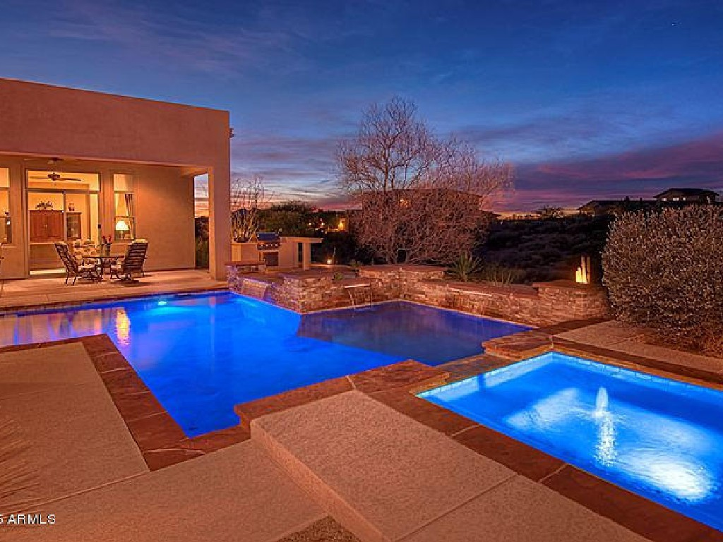 Maison unifamiliale pour l Vente à Meticulously Maintained 9740 E Lofty Point Rd Scottsdale, Arizona 85262 États-Unis