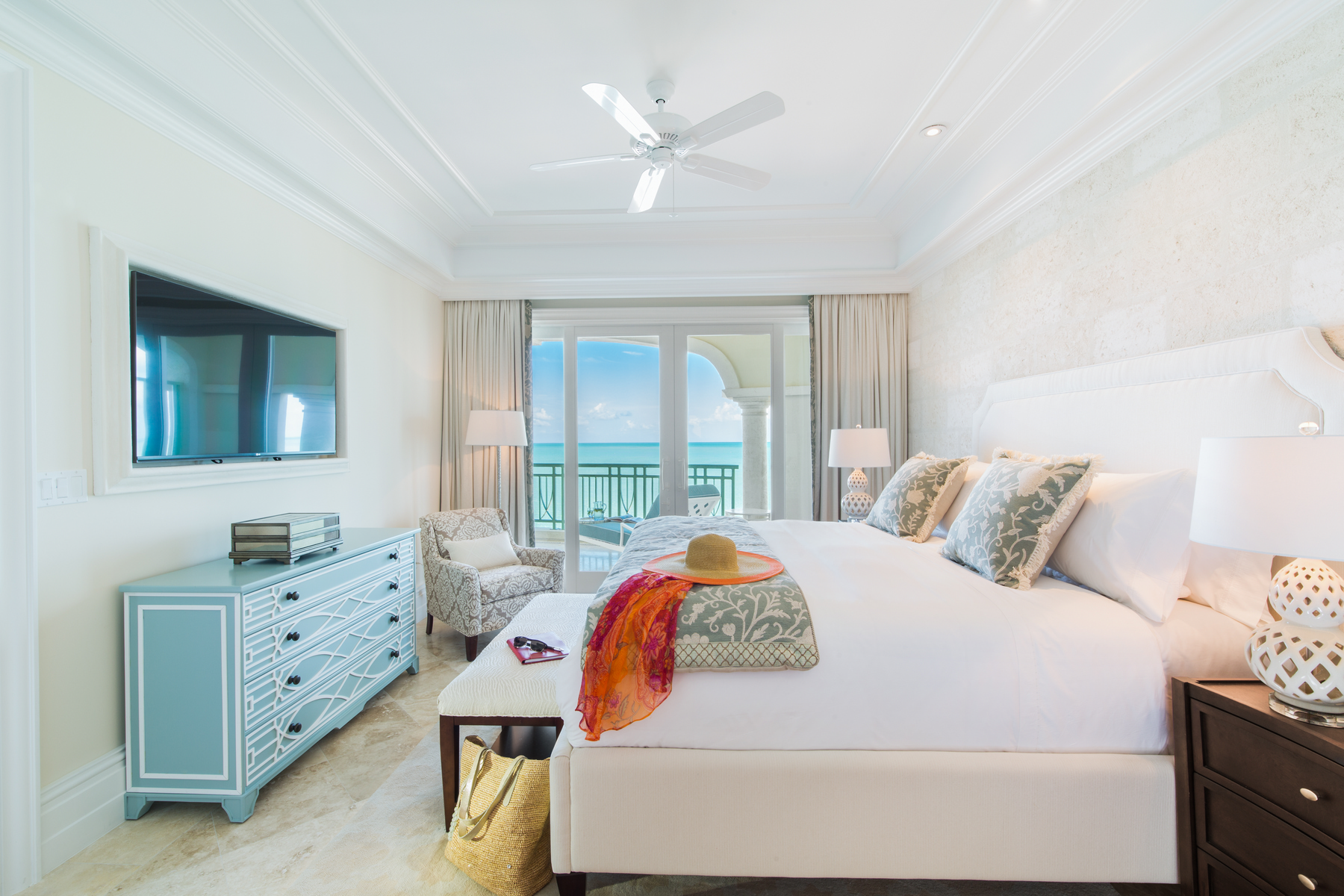 Additional photo for property listing at The Shore Club ~ Suite 2207.08.09 Beachfront 长湾, 普罗维登夏 TCI 特克斯和凯科斯群岛