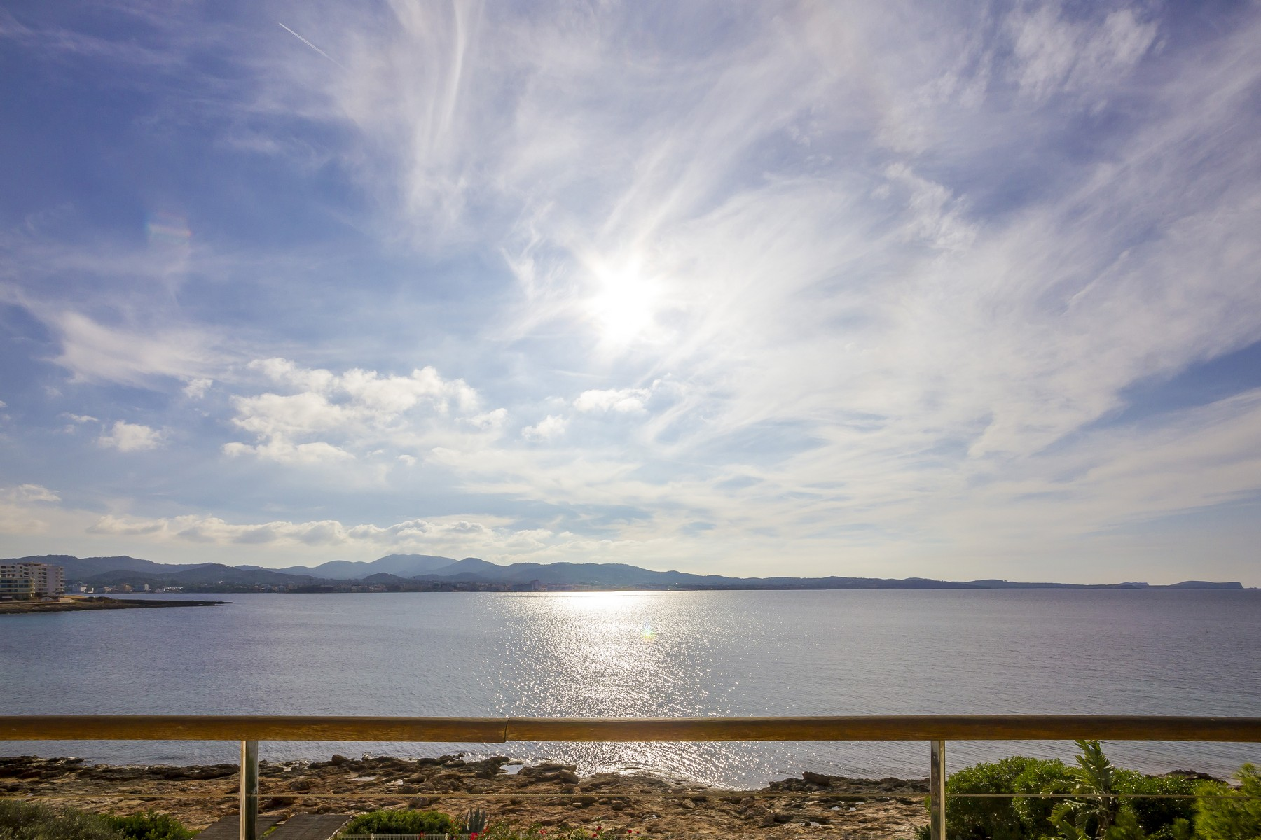 Appartement pour l Vente à Frontline Attic with Sunset Sea Views San Antonio Abad, Majorque, 07830 Espagne