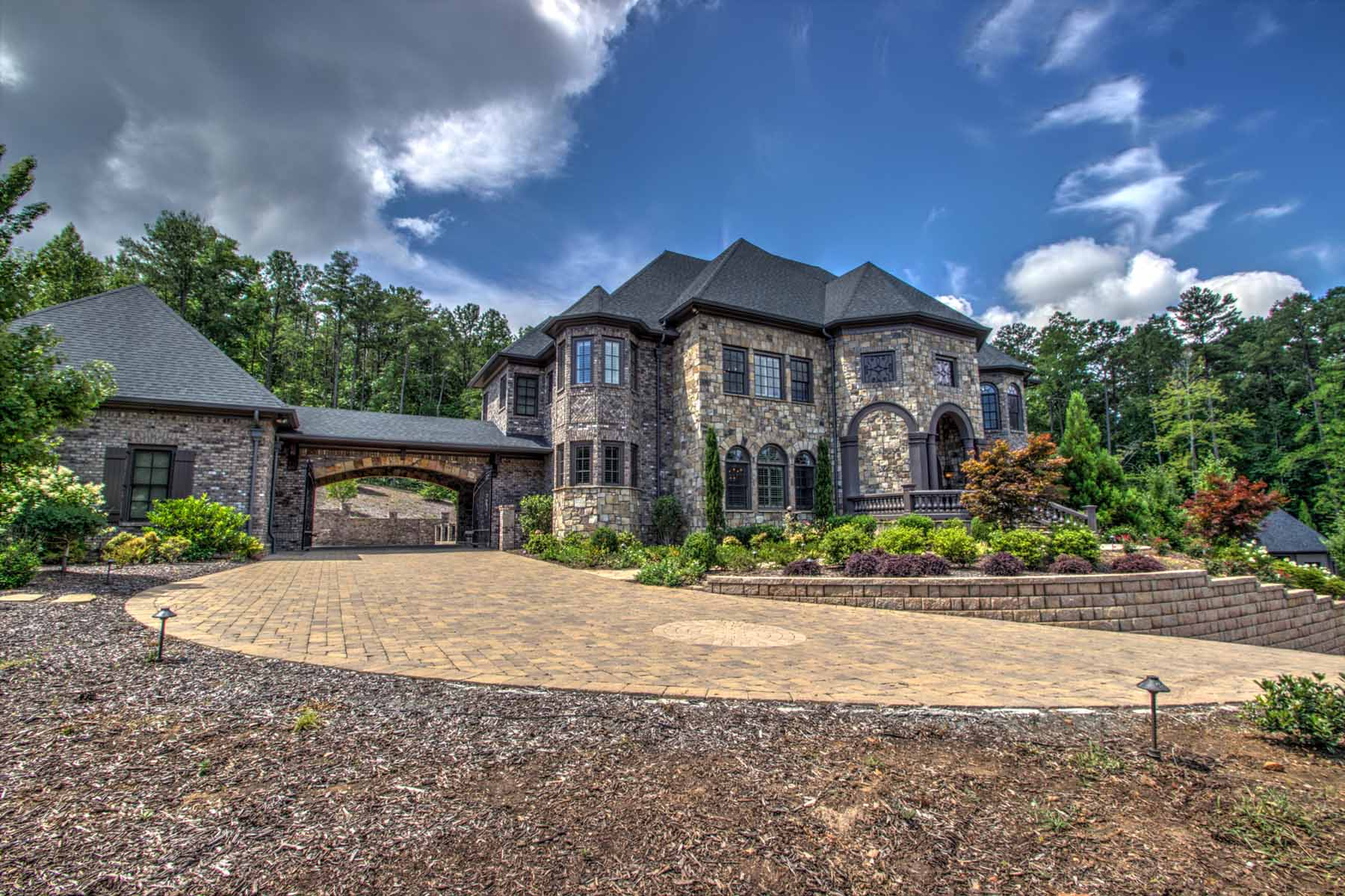 Maison unifamiliale pour l Vente à A Sophisticated Woodstock Masterpiece 115 Alice Bridge Way Woodstock, Georgia 30188 États-Unis
