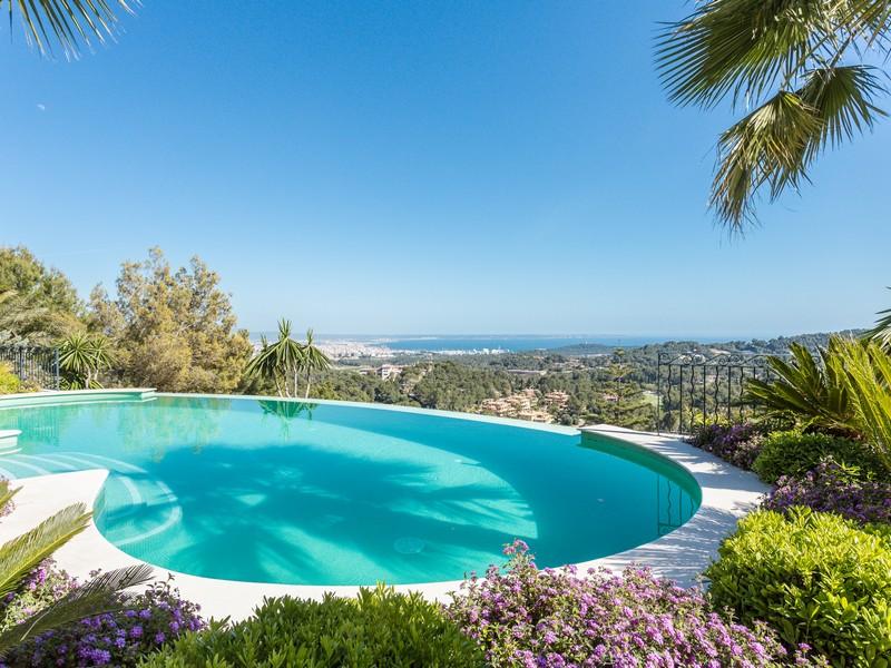 Casa para uma família para Venda às Luxury villa in Son Vida Palma, Palma De Maiorca 07013 Espanha