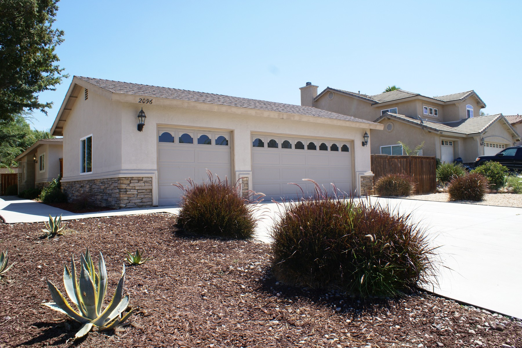 Moradia para Venda às 1552 S. Hale Avenue Escondido, Califórnia 92029 Estados Unidos