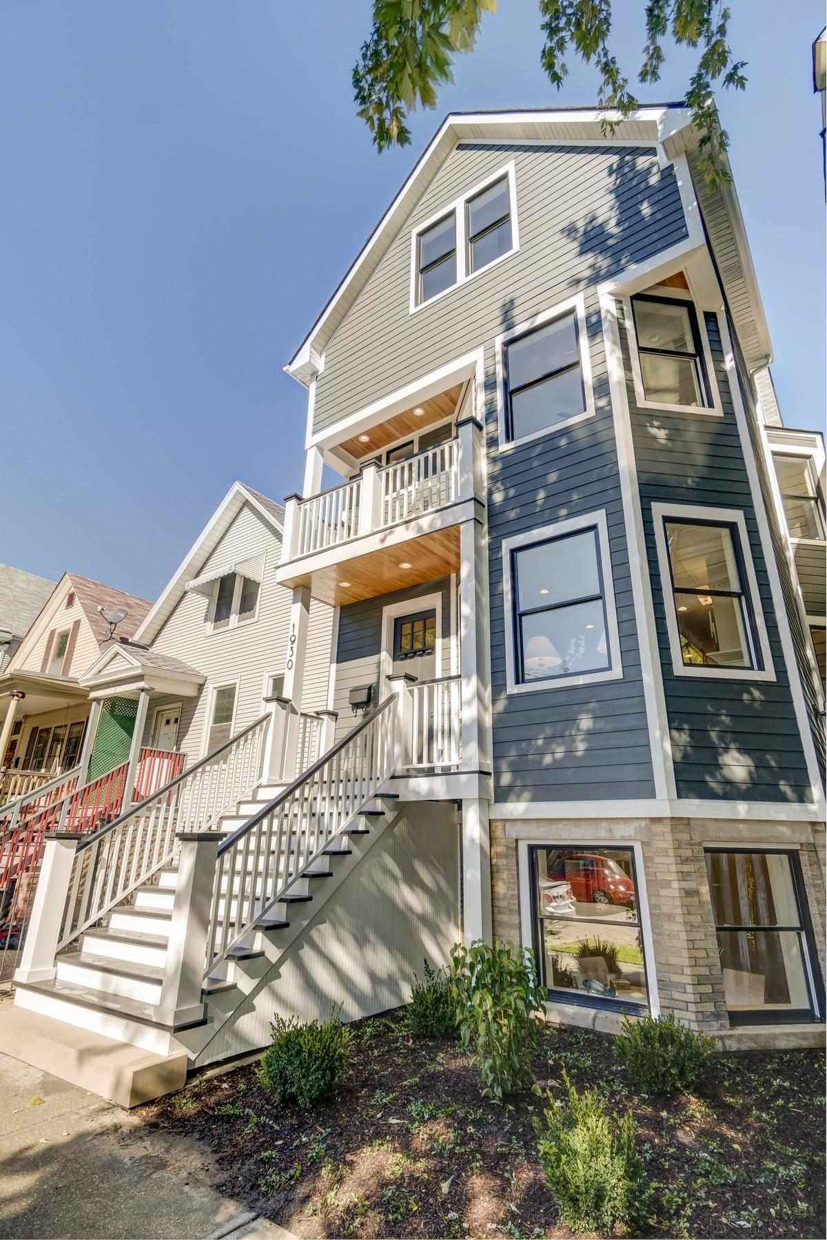Nhà ở một gia đình vì Bán tại Elegant New Home 1930 W Henderson Avenue North Center, Chicago, Illinois, 60657 Hoa Kỳ