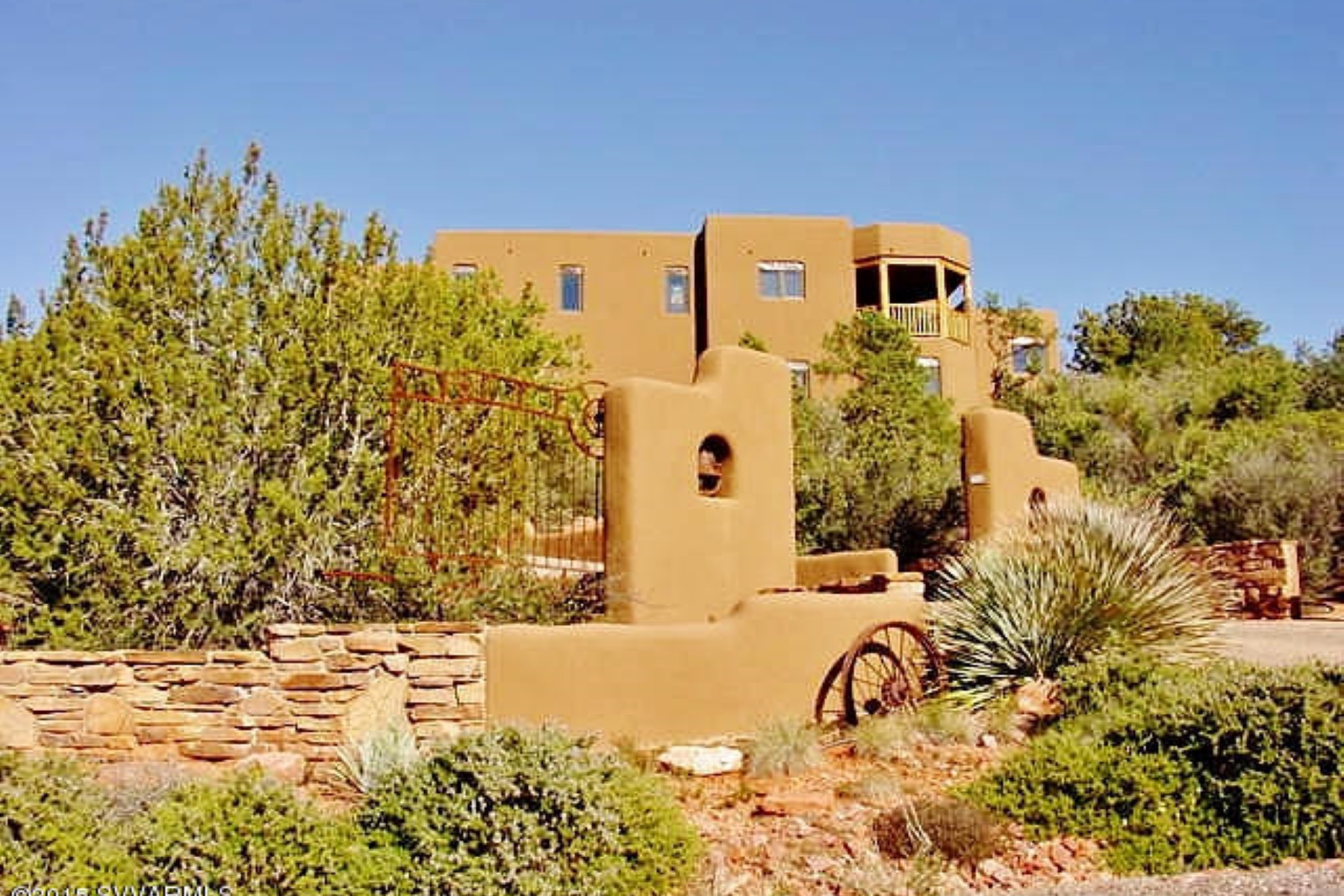一戸建て のために 売買 アット Stunning luxury home offers breathtaking panoramic views. 95 El Camino Tesoros Sedona, アリゾナ 86336 アメリカ合衆国