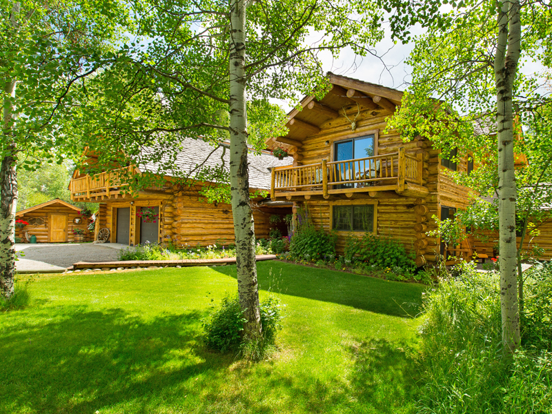 Property For Sale at Picturesque Hideaway