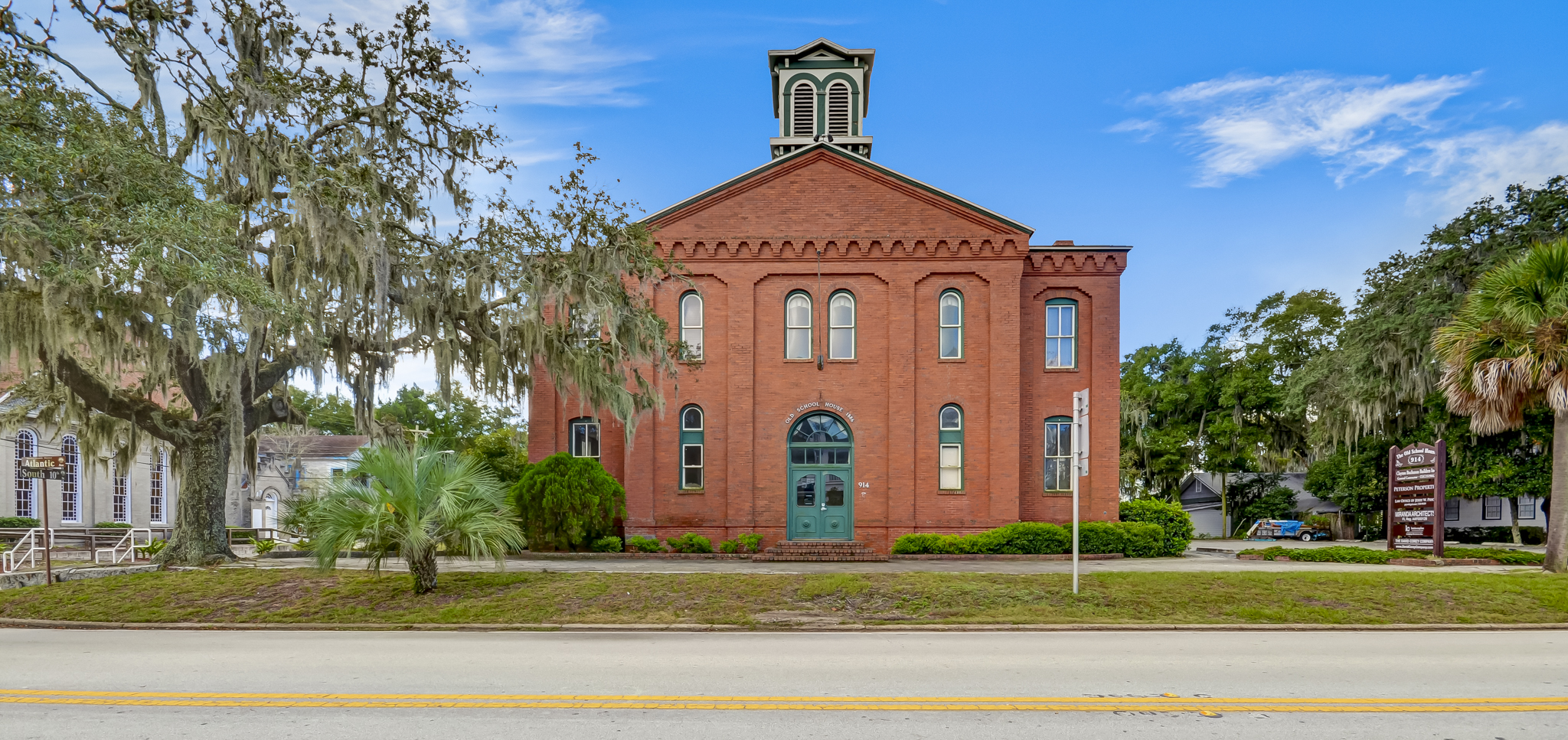 Single Family Home for Sale at Convert this Historic School House into Your Dream Home 914 Atlantc Avenue Fernandina Beach, Florida, 32034 United States