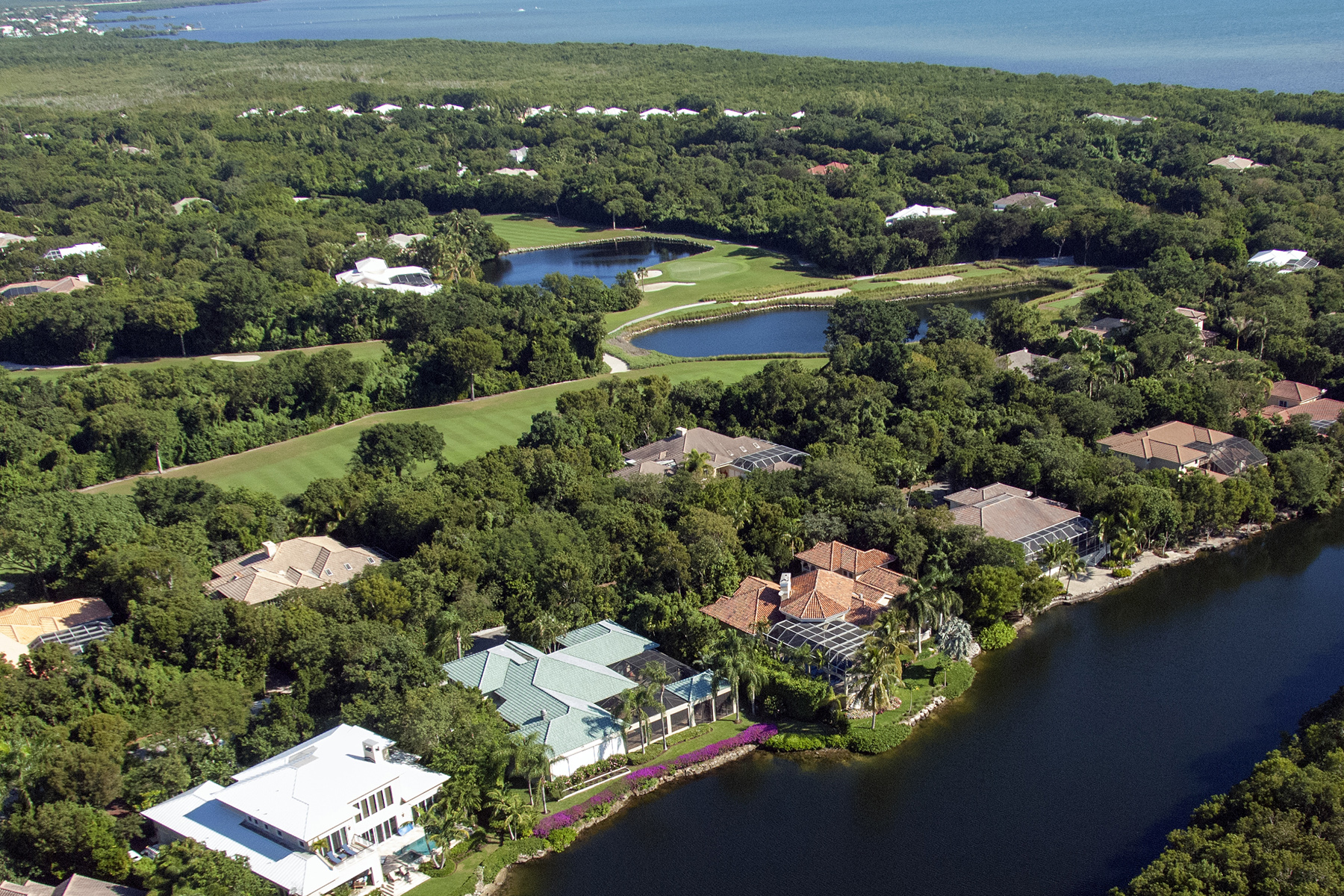 Terrain pour l Vente à Golf Course Buildable Lot at Ocean Reef 421 South Harbor Drive Ocean Reef Community, Key Largo, Florida, 33037 États-Unis